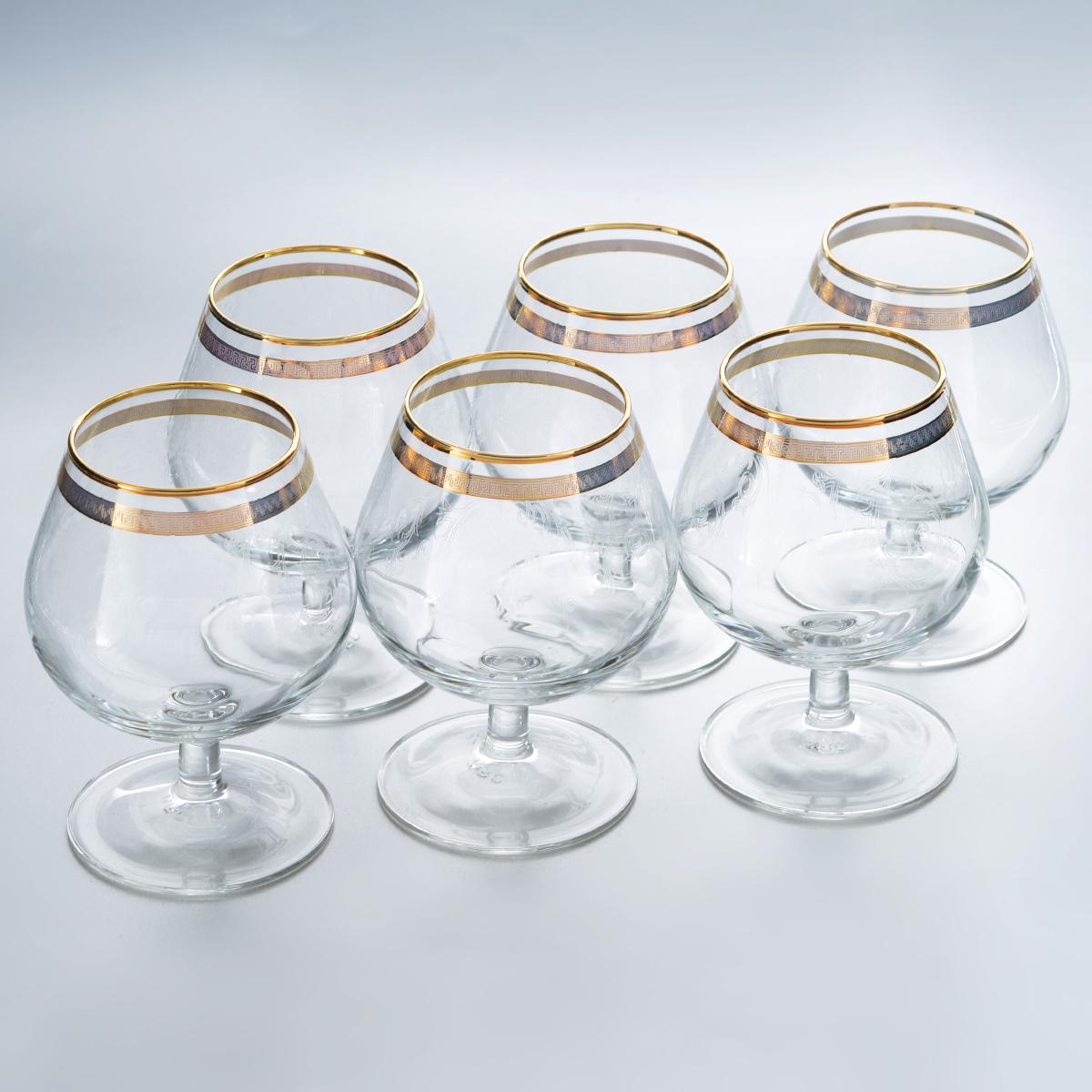 Набор бокалов для бренди Гусь-Хрустальный Каскад, 250 мл, 6 штVT-1520(SR)Набор Гусь-Хрустальный Каскад состоит из 6 бокалов на низкой тонкой ножке, изготовленных из высококачественного натрий-кальций-силикатного стекла. Изделия оформлены красивым зеркальным покрытием, окантовкой с оригинальным узором и прозрачным орнаментом. Бокалы предназначены для подачи бренди. Такой набор прекрасно дополнит праздничный стол и станет желанным подарком в любом доме. Разрешается мыть в посудомоечной машине. Диаметр бокала (по верхнему краю): 5,5 см. Высота бокала: 11 см. Диаметр основания бокала: 6,5 см.