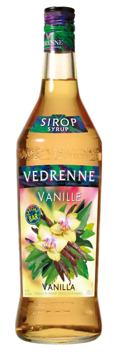 Vedrenne Ваниль сироп, 1 лSVDRVA-010B01Сироп Ваниль производят из натуральных продуктов, используя при этом чистый экстракт ванили, именно поэтому он имеет насыщенные нотки. Нежный аромат и вкус ванили идеально подходят для использования в кондитерском деле.Сироп Ваниль добавляют в коктейли, лимонад, холодный чай, кофе и компоты. Он великолепен в качестве пропиток для пирожных и тортов, его, кстати, добавляют и в соусы.Самый популярный напиток, в который добавляют сироп Ваниль, — это, конечно же, кофе. В меню многочисленных кофеен можно найти латте макиато, шоко фраппелатте, марочино, ледяной кофе, poco-a-poco, которые предусматривают обязательное добавление ванильного сиропа.Сиропы изготавливаются на основе натурального растительного сырья, фруктовых и ягодных соков прямого отжима, цитрусовых настоев, а также с использованием очищенной воды без вредных примесей, что позволяет выдержать все ценные и полезные свойства натуральных фруктово-ягодных плодов и трав. В состав сиропов входит только натуральный сахар, произведенный по традиционной технологии из сахарозы. Благодаря высокому содержанию концентрированного фруктового сока сиропы Vedrenne обладают изысканным ароматом и натуральным вкусом, являются эффективным подсластителем при незначительной калорийности. Они оптимизируют уровень влажности и процесс кристаллизации десертов, хорошо смешиваются с другими ингредиентами и способствуют улучшению вкусовых качеств напитков и десертов.Сиропы Vedrenne разливаются в стеклянные бутылки с яркими этикетками, на которых изображен фрукт, ягода или другой ингредиент, определяющий вкусовые оттенки того или иного продукта Vedrenne. Емкости с сиропами Vedrenne герметичны, поэтому не позволяют содержимому контактировать с микроорганизмами и другими губительными внешними воздействиями. Кроме того, стеклянные бутылки выглядят оригинально и стильно.В настоящее время компания Vedrenne считается одним из лучших производителей высококлассных сиропов, отличающихся натуральным вкусом, а та