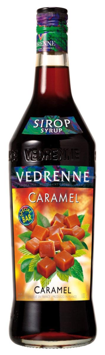 Vedrenne Карамель сироп, 1 л0120710Сироп Карамель - это универсальная вкусовая добавка, использующаяся для ароматизации различных сладких блюд и напитков. Карамельный сироп традиционнопроизводится на основе сахара и очищенной питьевой воды, что делает его натуральным ароматизатором. У него красивый янтарный цвет и классический сладковатый букет с тонамикарамели и жженого сахара.Сиропы изготавливаются на основе натурального растительного сырья, фруктовых и ягодных соков прямого отжима, цитрусовых настоев, а также сиспользованием очищенной воды без вредных примесей, что позволяет выдержать все ценные и полезные свойства натуральных фруктово-ягодных плодов и трав. Всостав сиропов входит только натуральный сахар, произведенный по традиционной технологии из сахарозы. Благодаря высокому содержанию концентрированногофруктового сока, сиропы Vedrenne обладают изысканным ароматом и натуральным вкусом, являются эффективным подсластителем при незначительной калорийности. Они оптимизируют уровень влажности и процесс кристаллизации десертов, хорошо смешиваются с другими ингредиентами и способствуют улучшению вкусовых качеств напитков и десертов.Сиропы Vedrenne разливаются в стеклянные бутылки с яркими этикетками, на которых изображен фрукт, ягода или другой ингредиент, определяющий вкусовыеоттенки того или иного продукта Vedrenne. Емкости с сиропами Vedrenne герметичны и поэтому не позволяют содержимому контактировать с микроорганизмами и другимигубительными внешними воздействиями. Кроме того, стеклянные бутылки выглядят оригинально и стильно.В настоящее время компания Vedrenne считается одним из лучших производителей высококлассных сиропов, отличающихся натуральным вкусом, а также насыщенным ароматом и глубоким цветом. Фруктовые сиропы Vedrenne пользуются большой популярностью не только во Франции (где их широко используют как в сегменте HoReCa, так и в домашних условиях), но и экспортируются более чем в 50 стран мира.Цвет: медно-золотистыйАромат: интенсивный, теплый, сладкийВку