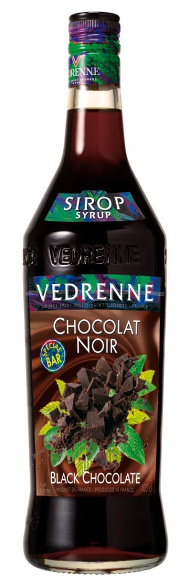 Vedrenne Шоколад сироп, 1 л0120710Современный шоколадный сироп изготавливается на основе какао-бобов, сахара и очищеннойводы. Он хорошо смешивается с другими ингредиентами, поэтому часто используется приприготовлении кофе и напитков на его основе, молочных шейков, прохладительных напитков иалкогольных коктейлей, выпечки, десертов, пудингов и самых разнообразных кондитерскихизделий.Сиропы изготавливаются на основе натурального растительного сырья, фруктовых и ягодныхсоков прямого отжима, цитрусовых настоев, а также с использованием очищенной воды безвредных примесей, что позволяет выдержать все ценные и полезные свойства натуральныхфруктово-ягодных плодов и трав. В состав сиропов входит только натуральный сахар,произведенный по традиционной технологии из сахарозы. Благодарявысокому содержанию концентрированного фруктового сока, сиропы Vedrenne обладаютизысканным ароматоми натуральным вкусом, являются эффективным подсластителем при незначительнойкалорийности. Они оптимизируют уровень влажности и процесс кристаллизации десертов,хорошо смешиваются с другими ингредиентами и способствуют улучшению вкусовых качествнапитков и десертов.Сиропы Vedrenne разливаются в стеклянные бутылки с яркими этикетками, на которыхизображен фрукт, ягода или другой ингредиент, определяющий вкусовые оттенки того илииного продукта Vedrenne. Емкости с сиропами Vedrenne герметичны, поэтому не позволяютсодержимому контактировать с микроорганизмами и другими губительными внешнимивоздействиями. Кроме того, стеклянные бутылки выглядят оригинально и стильно.В настоящее время компания Vedrenne считается одним из лучших производителейвысококлассных сиропов, отличающихся натуральным вкусом, а также насыщенным ароматом иглубоким цветом. Фруктовые сиропы Vedrenne пользуются большой популярностью не тольково Франции (где их широко используют как в сегменте HoReCa, так и в домашних условиях), но иэкспортируются более чем в 50 стран мира.Цвет: жареных каштановАромат: пряный, амбровый аромат темного шоколадаВк