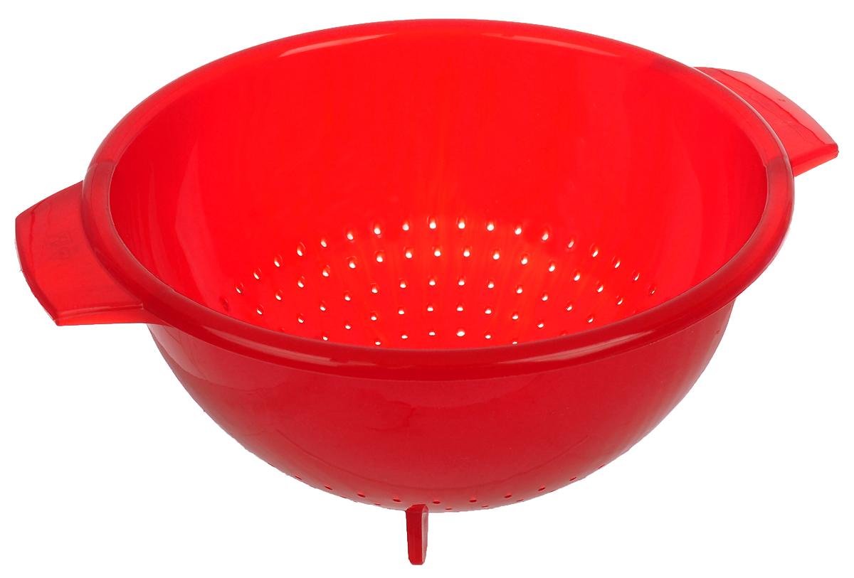 Дуршлаг Cosmoplast, цвет: красный, диаметр 24 смCL-4649Дуршлаг Cosmoplast, изготовленный из высококачественного пластика, станет полезным приобретением для вашей кухни. Дуршлаг имеет ножки, которые позволяют ставить его, а не держать в руках при использовании. Он идеально подходит для процеживания, ополаскивания и стекания макарон, овощей, фруктов. Диаметр: 24 см. Высота стенки: 12 см.