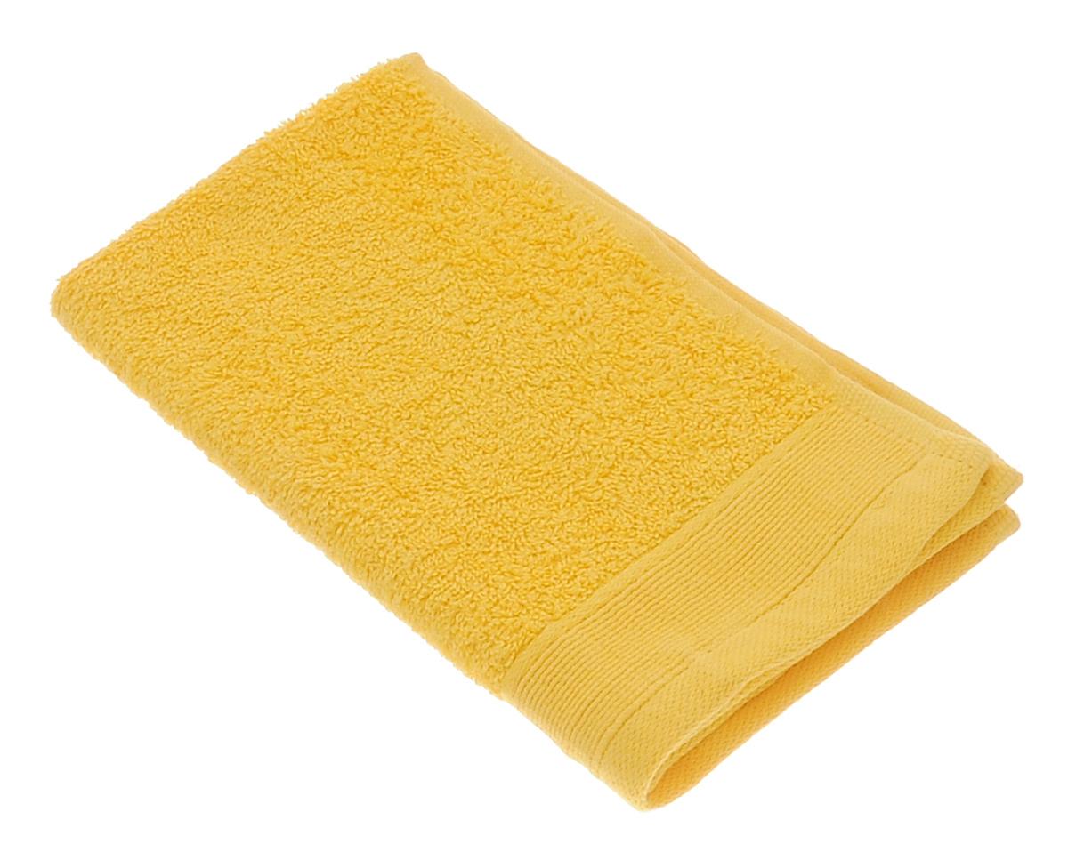Полотенце махровое Guten Morgen, цвет: желтый, 30 см х 50 см82770Махровое полотенце Guten Morgen, изготовленное из натурального хлопка, прекрасно впитывает влагу и быстро сохнет. Высокая плотность ткани делает полотенце мягкими, прочными и пушистыми. При соблюдении рекомендаций по уходу изделие сохраняет яркость цвета и не теряет форму даже после многократных стирок. Махровое полотенце Guten Morgen станет достойным выбором для вас и приятным подарком для ваших близких. Мягкость и высокое качество материала, из которого изготовлено полотенце, не оставит вас равнодушными.
