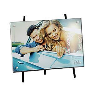Фоторамка Image Art 6013-4C0041010Фоторамка Image Art - прекрасный способ красиво оформить фотографию. Фоторамка поможет сохранить на память самые яркие моменты вашей жизни, а стильный дизайн сделает ее прекрасным дополнением интерьера комнаты.