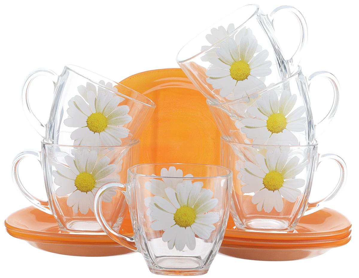 Набор чайный Luminarc Paquerette Melon, 12 предметовVT-1520(SR)Чайный набор Luminarc Paquerette Melon состоит из 6 чашек и 6 блюдец. Изделия выполнены из высококачественного ударопрочного стекла, имеют красивый яркий дизайн. Чашки украшены изображением ромашек, блюдца выполнены в однотонной расцветке. Посуда отличается прочностью, гигиеничностью и долгим сроком службы, она устойчива к появлению царапин и резким перепадам температур. Такой набор прекрасно подойдет как для повседневного использования, так и для праздников или особенных случаев. Чайный набор Luminarc - это не только яркий и полезный подарок для родных и близких, это также великолепное дизайнерское решение для вашей кухни или столовой. Изделия можно мыть в посудомоечной машине и использовать в СВЧ-печи. Объем чашки: 220 мл. Размер чашки: 7,5 см х 7,5 см х 7,5 см. Размер блюдца: 13,5 см х 13,5 см.