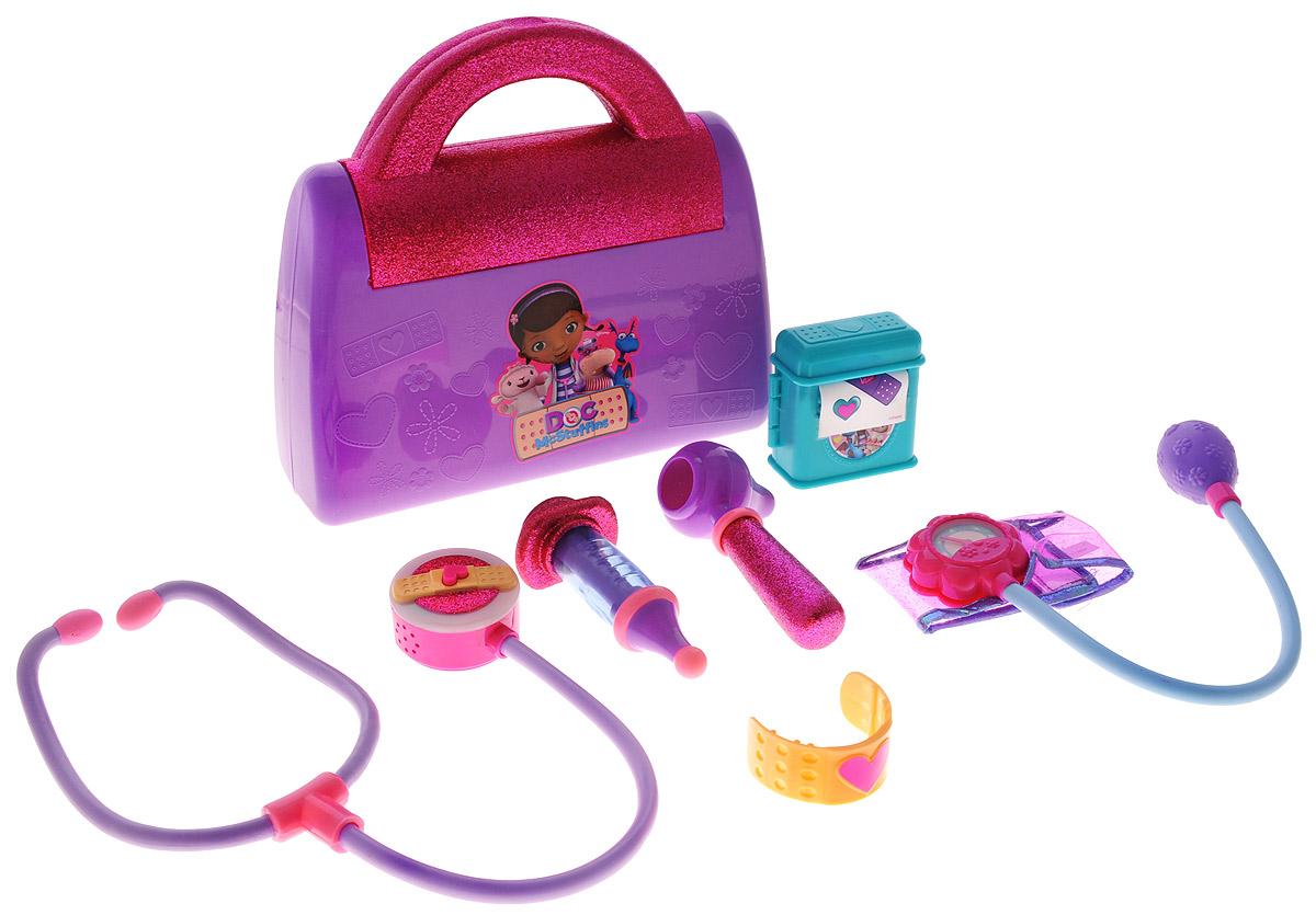 """Игровой набор Доктор Плюшева """"Чемоданчик доктора"""" привлечет внимание вашего юного врача и не позволит ему скучать. Практически каждый ребенок любит эту игру, воображая себя доктором или пациентом. Набор выполнен из безопасного пластика преимущественно розового и сиреневого цветов и включает отоскоп, шприц, манжетку для измерения кровяного давления, стетоскоп с подсветкой и звуком, наклейки и бандаж. Инструменты упакованы в стильный чемоданчик. С этим замечательным набором ребенок сможет почувствовать себя квалифицированным специалистом. Порадуйте вашу малышку таким замечательным подарком. Стетоскоп работает от 3 батареек типа AG13 напряжением 1,5V (товар комплектуется демонстрационными)."""