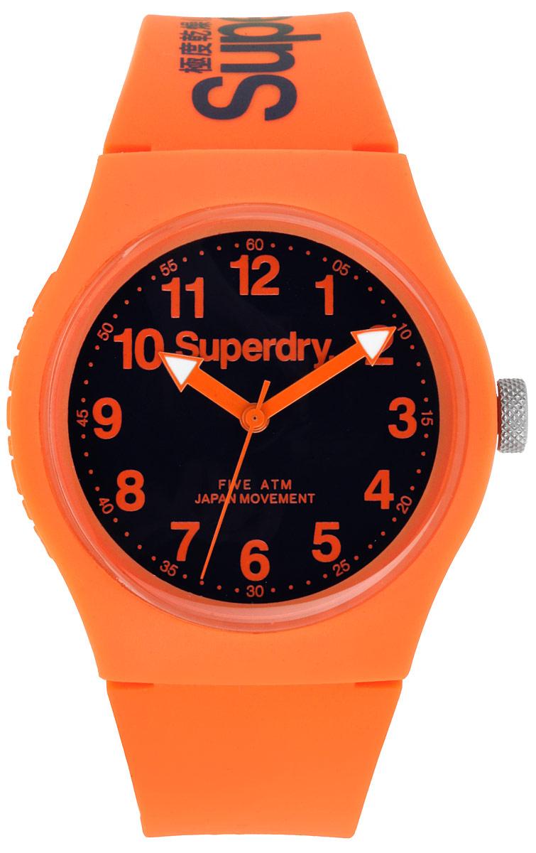 Часы наручные Superdry, цвет: оранжевый. SYG164BM8434-58AEОригинальные женские часы Superdry выполнены из нержавеющей стали, каучука и минерального стекла. Изделие дополнено символикой бренда.Корпус часов выполнен из нержавеющей стали и каучука, дополнен минеральным стеклом и имеет степень влагозащиты равную 5 atm. Оригинальный браслет выполнен из каучука и дополнен практичной пряжкой, которая позволит с легкостью снимать и надевать изделие.Часы поставляются в фирменной упаковке.Часы Superdry подчеркнут отменное чувство стиля у их владельца.