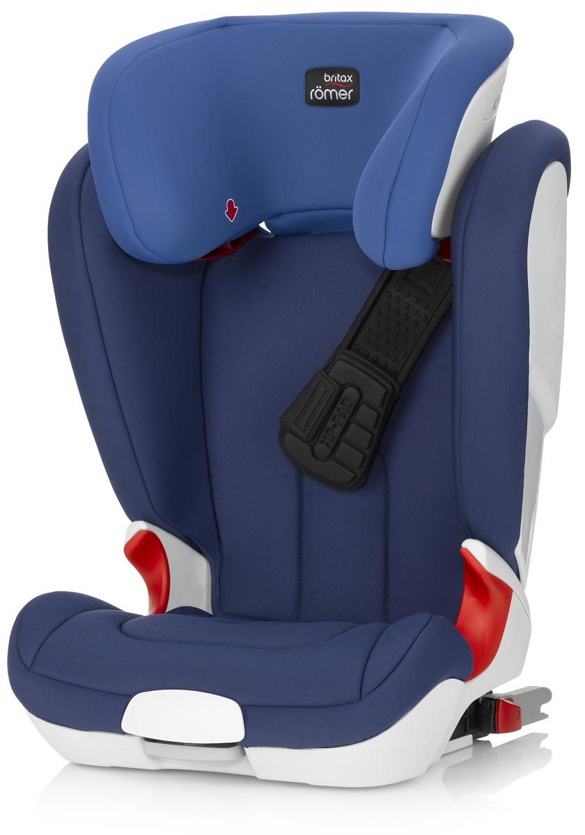 Romer Автокресло Kidfix XP Ocean Blue от 15 до 36 кгVCA-00Установка по направлению движения автомобиля (для детей от 15 до 36 кг)Система безопасности XP-PAD обеспечивает равномерное распределение ударной нагрузки и дополнительную защиту шеи ребенка при лобовом столкновении. Глубокие, высокие и мягкие боковины обеспечивают оптимальную защиту от боковых ударов.Направляющие для быстрого и правильного монтажа ремней безопасности. Встроенные индикаторы показывают правильность установки детского кресла. Встроенные амортизаторы в места крепления ISOFIX. Быстросъемный моющийся чехол. Подголовник регулируется по высоте с фиксацией в 11 положениях.