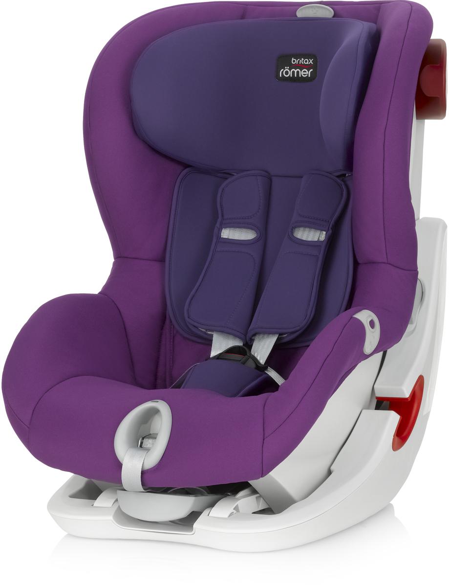 Romer Автокресло King II LS Mineral Purple от 9 до 18 кг2000022572Автокресло Romer King II LS группы 1 предназначено для детей весом от 9 до 18 кг (от 9 месяцев до 4 лет). Автокресло оснащено уникальной системой световой индикации натяжения ремня безопасности и складывающимся вперед сиденьем для удобства установки. Установка в автомобиле с помощью штатного ремня безопасности. Для удобства использования была создана специальная система светового оповещения, чтобы правильно оценить степень натяжения ремня. Для её активации нужно усадить ребенка в автокресло, отрегулировать плечевые накладки, защелкнуть замок, и потянуть за ремень снизу автокресла на себя до включения зеленого индикатора. Можно ехать, ваш ребенок надежно зафиксирован в автокресле. Особенности:Light System - световой индикатор ремня безопасности: определяет правильность натяжения ремня.Интуитивно понятная установка в автомобиль: откидывающаяся чаша и запатентованная система донатяжения штатного ремня.Легкая регулировка по высоте одной рукой - подголовник поднимается вместе с ремнями безопасности.Мягкие глубокие боковины и плечевые накладки, обеспечивают оптимальную защиту.5-ти точечные ремни безопасности с централизованной системой натяжения регулируются одной рукой.Держатели для ремня безопасности.Регулировка наклона автокресла позволяет изменить положение, не потревожив сон ребенка.Чехол из мягкой ткани быстро снимается, не зависимо от ремней безопасности.