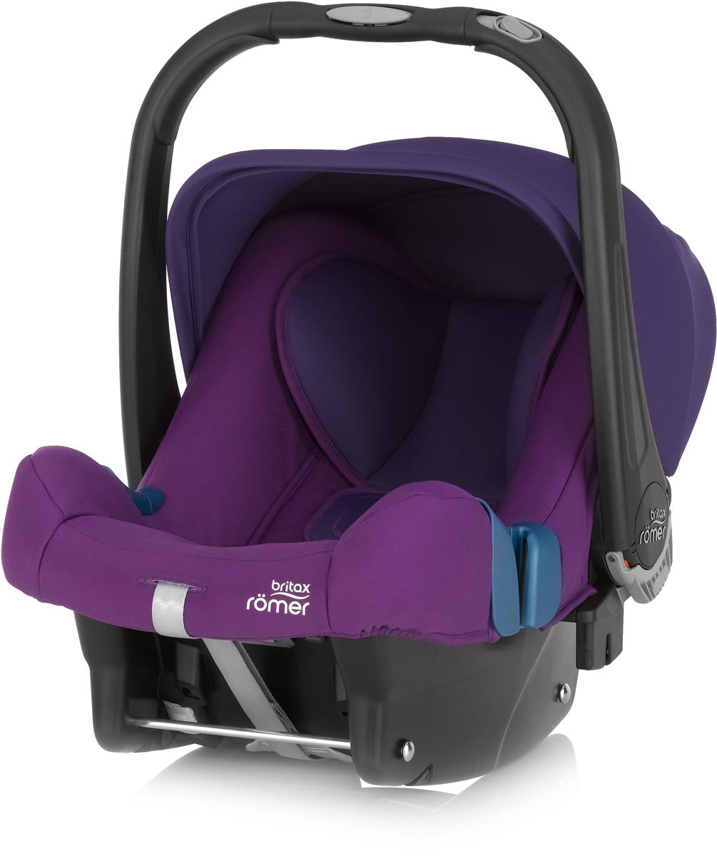 Romer Автокресло Baby-Safe Plus SHR II Mineral Purple до 13 кг2000023258Автокресло Romer Baby-Safe Plus SHR II группы 0+ предназначено для детей весом до 13 кг (от рождения до года). Мягкая, уютная обивка кресла из энергопоглощающих материалов, глубокие боковины, и дополнительная вставка для новорожденных создают уютное и безопасное место для ребенка с самого рождения. Пятиточечные ремни безопасности с централизованной системой натяжения и мягкими, энергопоглощающими плечевыми накладками, регулируются по высоте с помощью подголовника и надежно удерживают ребенка внутри автокресла. Встроенная система автоматического выравнивания действует при регулировке подголовника. Чем выше подголовник - тем просторней становится автокресло. Внутренние ремни безопасности также поднимаются автоматически, избавляя от ошибок самостоятельной регулировки. Travel System - система путешествий для активных родителей! Для приятной прогулки нужно поставить автокресло на раму коляски, обладающей механизмом CLICK & GO и мобильная коляска готова. Отсоединить автокресло от рамы можно одной рукой - для этого предусмотрена кнопка на ручке автокресла. Максимального комфорта в использовании и безопасности можно достичь, установив автокресло на ременную базу или на базу Isofix. Особенности:Пятиточечные ремни безопасности регулируются одной рукой.Подголовник регулируется вместе с ремнями безопасности по мере роста ребенка.Углубленная боковая защита с мягкими обеспечивает оптимальную боковую защиту.Солнцезащитный козырек для защиты нежной кожи ребенка.Многофункциональная ручка для переноски.Встроенные адаптеры CLICK & GO для создания системы путешествий.Съемный чехол не требует демонтажа внутренних ремней. Автокресло совместимо с колясками Britax и HARTAN. Мягкая обивка ручки для более удобной переноски кресла. Чехол для защиты от солнца и ветра с защитой от УФ-излучения 50+.