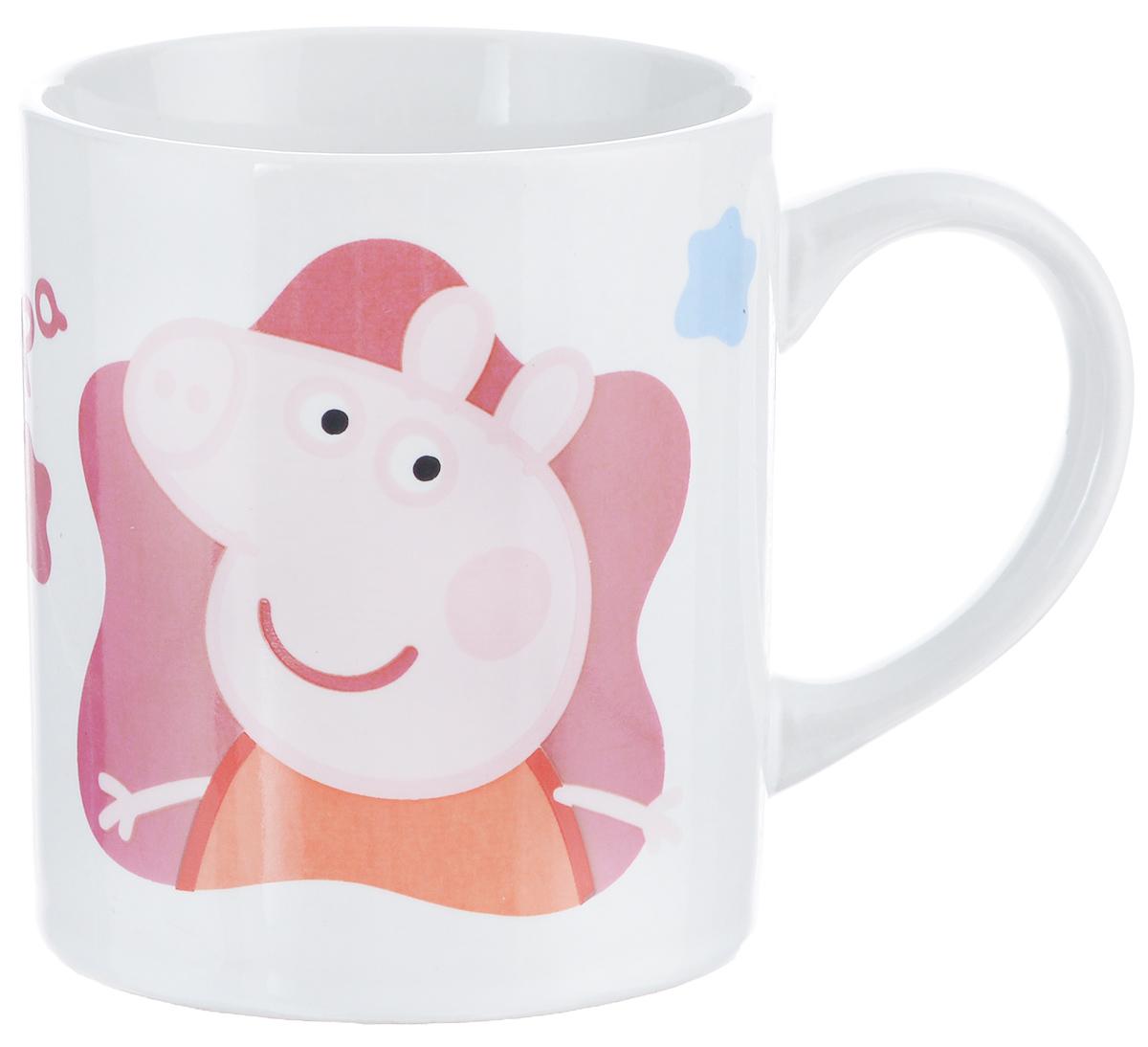 Кружка МФК-профит Peppa Pig, 210 мл115510Детская кружка Peppa Pig идеально подойдет для вашего малыша. Она выполнена из керамики белого цвета и оформлена ярким изображением героев из мультфильма Peppa Pig. Кружка дополнена удобной ручкой. Такой подарок станет не только приятным, но и практичным сувениром: кружка станет незаменимым атрибутом чаепития, а оригинальное оформление кружки добавит ярких эмоций в процессе чаепития.