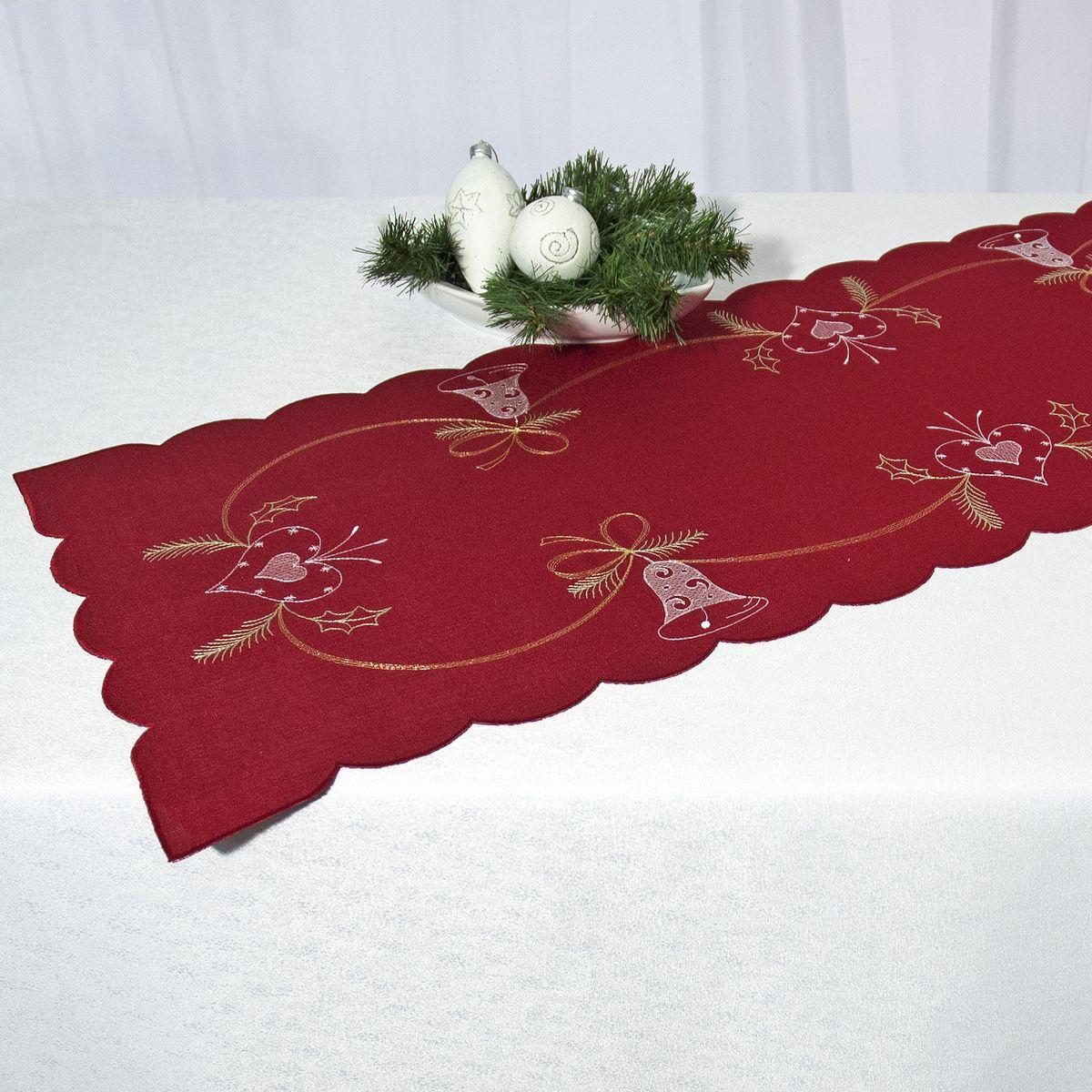 Дорожка для декорирования стола Schaefer, цвет: бордовый, 35 х 140 см 07666-230VT-1520(SR)Дорожка Schaefer, выполненная из полиэстера, станет изысканным украшением интерьера в преддверии Нового года. Изделие декорировано красиво обработанным волнистым краем и вышивкой с новогодними мотивами. Такую дорожку можно использовать для украшения комодов, тумб и столов. За текстилем из полиэстера очень легко ухаживать: он легко стирается, не мнется, не садится и быстро сохнет, более долговечен, чем текстиль из натуральных волокон.Такая дорожка изящно дополнит интерьер вашего дома.