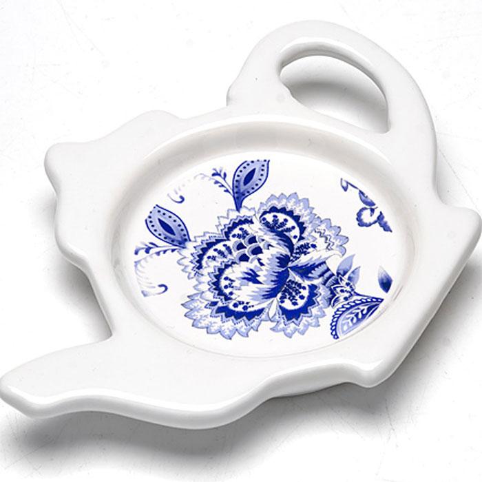 Подставка для чайных пакетиков Loraine, 12,4 см. 2481424814Подставка для чайных пакетиков Loraine, изготовленная из высококачественной керамики, порадует вас оригинальностью и дизайном. Подставка выполнена в форме чайничка и оформлена цветочным рисунком. С помощью такой подставки ваша столешница останется чистой.