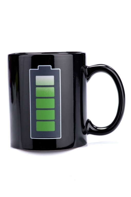 Кружка-хамелеон Bradex Батарейка. TK 0163115510Кружка-хамелеон Bradex Батарейка поднимет настроение. При нагревании кружки на батарейке увеличивается заряд – так, наливая утренний ароматный кофе в кружку, вы увидите, как этот бодрящий напиток зарядит вас энергией и позитивным настроением. Преимущества:Стильная кружка для хорошего настроенияПрекрасный подарок друзьям, любимым и, конечно, себе Рисунок на кружке будет радовать Вас каждое утро много лет.