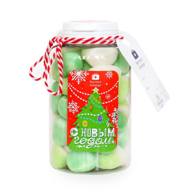 Конфеты Вкусная помощь С Новым годом, зеленый микс, 250 мл4640000273903С Новым годом - это жевательный мармелад Белые ягоды и мягкие Маршмеллоу. Вкуснейший ягодный микс мармеладного драже в красивой банке с новым новогодним дизайном.Ёлка на упаковке придаст праздничного настроение не только тому, кому будет подарена эта банка, но и дарителю. Помните, подарки от Вкусной помощи заряжены волшебством новогодней ночи и рождественского утра!