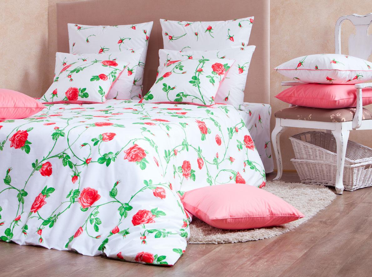 Комплект белья Mirarossi Vittoria, 1,5-спальный, наволочки 70х70, цвет: белый, розовый, зеленый706-2ФКРоскошный комплект постельного белья Mirarossi Vittoria выполнен из ткани Перкаль, натурального 100% хлопка. Ткань приятная на ощупь, при этом она прочная, хорошо сохраняет форму и не образует катышков на поверхности. Инновационная технология обработки ткани Easy Care позволяет белью дольше оставаться свежим. Органические активные вещества Easy Care на основе натуральных компонентов, эффективно препятствуют сминаемости и деформации ткани, что позволяет вам практически не тратить время на глажку постельного белья. Комплект состоит из пододеяльника, простыни и двух наволочек. Изделия оформлены цветочным принтом. Благодаря такому комплекту постельного белья вы создадите неповторимую атмосферу в вашей спальне.