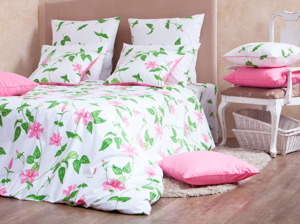 Комплект белья Mirarossi Veronica, 2-спальный, наволочки 50х70, цвет: белый, розовый, зеленый391602Роскошный комплект постельного белья Mirarossi Veronica выполнен из ткани перкаль, натурального 100% хлопка. Ткань приятная на ощупь, при этом она прочная, хорошо сохраняет форму и не образует катышков на поверхности. Инновационная технология обработки ткани Easy Care позволяет белью дольше оставаться свежим. Органические активные вещества Easy Care на основе натуральных компонентов, эффективно препятствуют сминаемости и деформации ткани, что позволяет вам практически не тратить время на глажку постельного белья. Комплект состоит из пододеяльника, простыни и двух наволочек. Изделия оформлены цветочным принтом. Благодаря такому комплекту постельного белья вы создадите неповторимую атмосферу в вашей спальне. Плотность ткани: 135 гр/м2.