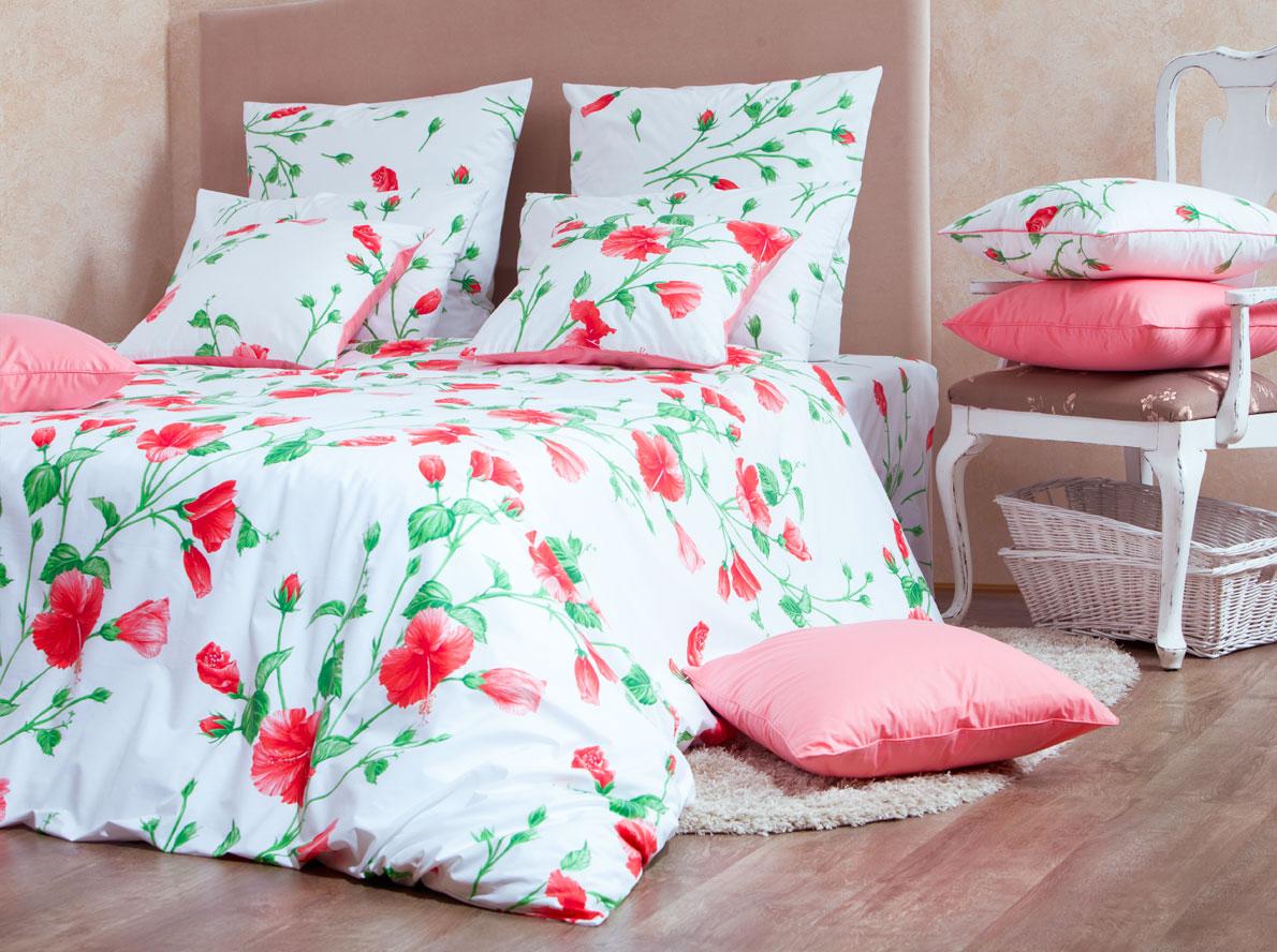 Комплект белья Mirarossi Francesca, 2-спальный, наволочки 70х70, цвет: белый, красный, зеленыйCA-3505Роскошный комплект постельного белья Mirarossi Francesca выполнен из ткани перкаль, натурального 100% хлопка. Ткань приятная на ощупь, при этом она прочная, хорошо сохраняет форму и не образует катышков на поверхности. Инновационная технология обработки ткани Easy Care позволяет белью дольше оставаться свежим. Органические активные вещества Easy Care на основе натуральных компонентов, эффективно препятствуют сминаемости и деформации ткани, что позволяет вам практически не тратить время на глажку постельного белья. Комплект состоит из пододеяльника, простыни и двух наволочек. Изделия оформлены цветочным принтом. Благодаря такому комплекту постельного белья вы создадите неповторимую атмосферу в вашей спальне. Плотность ткани: 135 гр/м2.