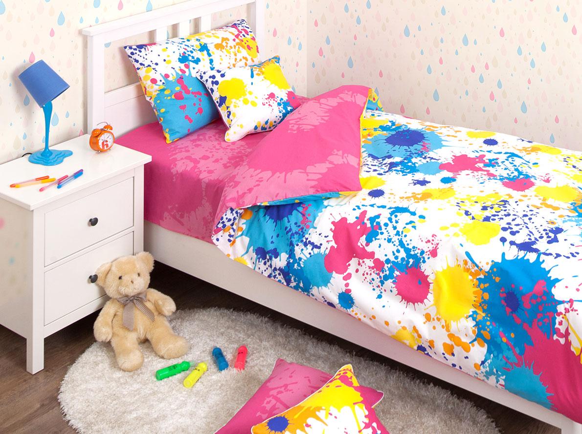 Хлопковый Край Комплект детского постельного белья Happy Pink 1,5-спальный наволочка 70 см х 70 см10503Комплект детского постельного белья Хлопковый Край Happy Pink, состоящий из наволочки, простыни и пододеяльника, выполнен из ранфорса. Комплект постельного белья украшен изображением разноцветных пятен и брызг краски.Ранфорс - очень плотная ткань, получаемая в результате полотняного переплетения крученых нитей хлопка. Несмотря на повышенную плотность, этот материал отличается необыкновенной мягкостью и шелковистой фактурой. Высокая плотность материала обеспечивает его долговечность и способность выдерживать многочисленные стирки на протяжении многих лет. Белье при этом продолжает оставаться все таким же ярким и привлекательным, поскольку ранфорс не линяет, не скатывается и не садится.Такой комплект идеально подойдет для кроватки вашего малыша. На нем ребенок будет спать здоровым и крепким сном.