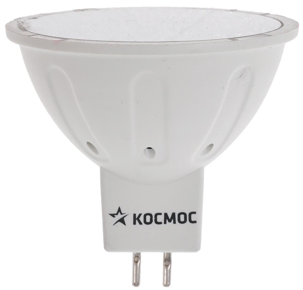 Лампа светодиодная Космос, теплый свет, цоколь GU5.3, 5WLksm_LED5wJCDRC30Светодиодная лампа Космос отличается низким энергопотреблением. Срок службы лампы 30000 часов, это в 30 раз дольше, чем у лампы накаливания. Лампа устойчива к вибрациям и высоким перепадам температур. Обладает высокой механической прочностью и вибростойкостью. Характеризуется отсутствием ультрафиолетового и инфракрасного излучений. Эквивалентна лампе накаливания мощностью 50 Вт. Направленный свет как у аналогичной галогенной лампы.Использование архитектуры высокомощных LED-ламп в формфакторах малых моделей позволяет добиться лучших показателей светового потока (550 Лм) среди большинства рыночных аналогов. Декоративные лампы специально разработаны с учетом требований российских и европейских законов и подходят ко всем осветительным устройствам, совместимым со стандартным цоколем GU5.3. Теплый белый оттенок света лампы отлично украсит вашу кухню или гостиную. В основе лампы используются светодиоды от мирового лидера Epistar. Номинальное напряжение: 220-240 В. Номинальная частота: 50/60 Гц. Рабочий ток: 0,046 А. Угол рассеивания: 130°. Срок службы: 30 000 ч. Стабильная работа при температуре: от 40°С до +50°С.Уважаемые клиенты! Обращаем ваше внимание на возможные изменения в дизайне упаковки. Качественные характеристики товара остаются неизменными. Поставка осуществляется в зависимости от наличия на складе.