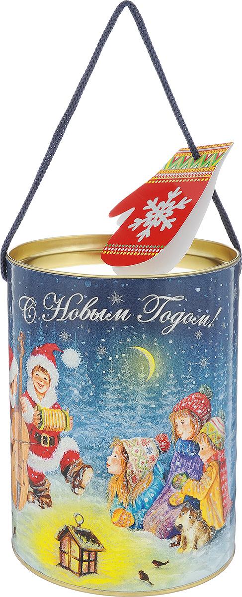 Туба подарочная Правила Успеха Праздник в лесу, диаметр 12 см7709040Подарочная туба Правила Успеха Праздник в лесу выполнена из плотного картона и металла. Изделие оформлено ярким изображением детей у новогодней елки. Туба оснащена крышкой и текстильной ручкой. В комплект входит маленькая открытка для пожеланий в виде варежки. Подарочная туба - это оригинальное решение, если вы хотите порадовать близких людей и создать праздничное настроение, ведь подарок, преподнесенный в необычной упаковке, всегда будет самым эффектным и запоминающимся. Окружите близких людей вниманием и заботой, вручив презент в нарядном, праздничном оформлении.Высота тубы: 16,5 см.