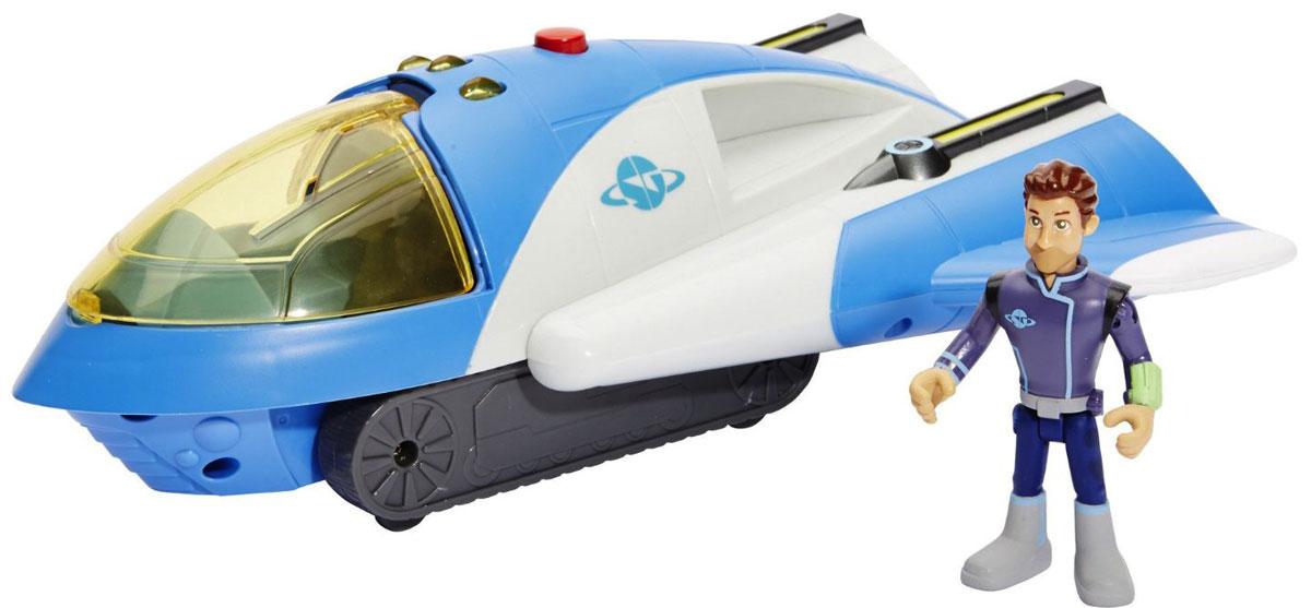 """Крейсер космического конвоя """"Miles from Tomorrowland"""" не оставит равнодушным вашего ребенка. Игрушка изготовлена из прочных и безопасных материалов. Космический крейсер имеет три режима функционирования: полетный, боевой и наземный, а именно космический корабль, спасательная станция, вездеход. Во время полетного режима крылья крейсера сложены, позволяя ему развивать максимальную скорость. В случае вступления в схватку с космическим злодеем крылья отодвигаются в стороны, позволяя выстрелить из лазерных пушек. А после поимки преступника, чтобы доставить его в тюрьму, корабль переходит в наземный режим, и способен ехать по почве на гусеницах. Корабль совместим со съемными ракетными ускорителями XVR, которыми укомплектована Стеллосфера. Крейсер оснащен звуковыми и световыми эффектами. В комплекте имеется фигурка капитана Джо. Ваш ребенок часами будет играть с такой игрушкой, придумывая различные истории. Порадуйте его таким замечательным подарком! ..."""