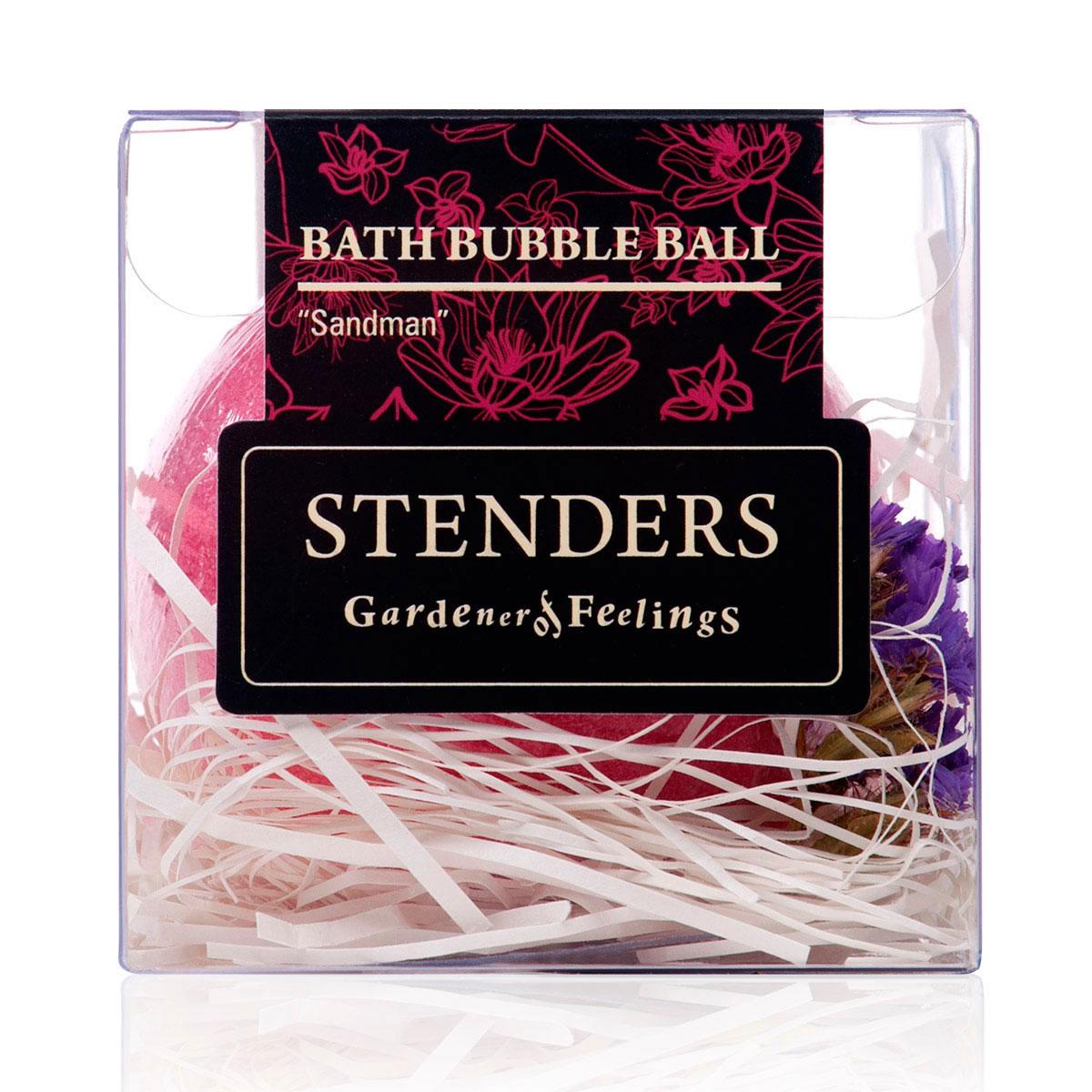 Stenders Бурлящий шар Лавандовый, 125 гFS-00897Ваши любимые бурлящие шары, упакованные в красивую коробку - готовы удивлять и радовать. Этот изготовленный умелыми руками бурлящий шар для ванны наполнит ванную комнату успокаивающим ароматом, заботясь о вашем отдыхе. Пока вы будете наслаждаться мгновениями расслабления, о вашей коже позаботится масло виноградных косточек и морская соль, а эфирное масло лаванды упокоит ваши мысли и чувства, позволяя вам предаться сладким мечтам и сну.Эфирное масло лаванды получают путем дистилляции цветущих макушек растения. Для этого любимого всеми масла характерен воздушный цветочно-травяной аромат, который способен как тонизировать, так и успокаивать, даря спокойствие. Это масло вы можете использовать и для улучшения сна. Масло виноградных косточек особенно хорошо тем, что содержит ненасыщенные жирные кислоты в большой концентрации. Оно придаст жизненную силу вашей коже, тщательно увлажняя и смягчая ее. Кристаллы соли моря богаты ионами кальция, калия и натрия. Эти вещества очистят вашу кожу и укрепят ногти. Релаксирующая ванна с солью помогает регулировать уровень влаги в клетках, устраняя припухлость и снимая усталость.