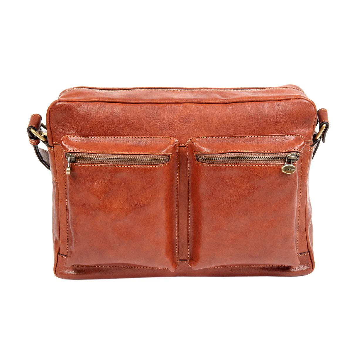 Сумка мужская Gianni Conti, цвет: светло-коричневый. 9123043-47660-00504Стильная мужская сумка Gianni Conti выполнена из натуральной кожи. Изделие имеет одно основное отделение, которое закрывается на застежку-молнию. Внутри имеются два открытых накладных кармана, держатель для авторучки, мягкий карман для планшета, который закрывается на хлястик с липучкой и прорезной карман на застежке-молнии. Снаружи, на передней стенке расположены два накладных объемных кармана на застежках-молниях, на задней стенке - прорезной карман на застежке-молнии. Модель оснащена плечевым ремнем, который регулируется по длине. Роскошная сумка внесет элегантные нотки в ваш образ и подчеркнет ваше отменное чувство стиля.