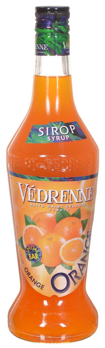 Vedrenne Апельсин сироп, 0,7 л0120710Сироп Апельсин - это очень популярная среди гурманов добавка, которая придаст вашему любимому лакомствужизнерадостные оттенки оранжевого фрукта. Апельсиновый сироп станет идеальным дополнением к лимонаду,коктейлям, кофе, мороженому, компоту, холодному чаю, а также сделает любую выпечку ароматной и приятнойна вкус. Сироп Апельсин позволит вам насладиться букетом солнечного фрукта в любое время. Для егоизготовления используются только отборные ингредиенты: апельсиновый сок, сахар и чистейшая вода, которыеподвергаются бережной обработке, в результате чего получается нежный сироп.Сироп Апельсин позволит вам насладиться букетом солнечного фрукта в любое время. Для его изготовленияиспользуются только отборные ингредиенты: апельсиновый сок, сахар и чистейшая вода, которые подвергаютсябережной обработке, в результате чего получается нежный сироп.Сиропы изготавливаются на основе натурального растительного сырья, фруктовых и ягодных соков прямогоотжима, цитрусовых настоев, а также с использованием очищенной воды без вредных примесей, что позволяетвыдержать все ценные и полезные свойства натуральных фруктово-ягодных плодов и трав. В состав сироповвходит только натуральный сахар, произведенный по традиционной технологии из сахарозы. Благодарявысокому содержанию концентрированного фруктового сока, сиропы Vedrenne обладают изысканным ароматоми натуральным вкусом, являются эффективным подсластителем при незначительной калорийности. Ониоптимизируют уровень влажности и процесс кристаллизации десертов, хорошо смешиваются с другимиингредиентами и способствуют улучшению вкусовых качеств напитков и десертов.Сиропы Vedrenne разливаются в стеклянные бутылки с яркими этикетками, на которых изображен фрукт, ягодаили другой ингредиент, определяющий вкусовые оттенки того или иного продукта Vedrenne. Емкости ссиропами Vedrenne герметичны и поэтому не позволяют содержимому контактировать с микроорганизмами идругими губительными внешними воздействиями. Кроме 