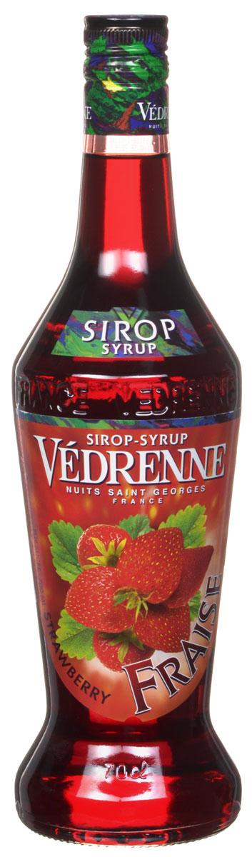 Vedrenne Клубника сироп, 0,7 л0120710Сироп Клубника добавляют в различные коктейли, лимонады, мороженое, кофе и холодный чай. Кстати, хозяйкам на заметку: клубничный сироп можно добавить в натуральные компоты.Сиропы изготавливаются на основе натурального растительного сырья, фруктовых и ягодных соков прямого отжима, цитрусовых настоев, а также с использованием очищенной воды без вредных примесей, что позволяет выдержать все ценные и полезные свойства натуральных фруктово-ягодных плодов и трав. В состав сиропов входит только натуральный сахар, произведенный по традиционной технологии из сахарозы. Благодаря высокому содержанию концентрированного фруктового сока, сиропы Vedrenne обладают изысканным ароматоми натуральным вкусом, являются эффективным подсластителем при незначительной калорийности. Они оптимизируют уровень влажности и процесс кристаллизации десертов, хорошо смешиваются с другими ингредиентами и способствуют улучшению вкусовых качеств напитков и десертов.Сиропы Vedrenne разливаются в стеклянные бутылки с яркими этикетками, на которых изображен фрукт, ягода или другой ингредиент, определяющий вкусовые оттенки того или иного продукта Vedrenne. Емкости с сиропами Vedrenne герметичны и поэтому не позволяют содержимому контактировать с микроорганизмами и другими губительными внешними воздействиями. Кроме того, стеклянные бутылки выглядят оригинально и стильно.В настоящее время компания Vedrenne считается одним из лучшихпроизводителей высококлассных сиропов, отличающихся натуральным вкусом, а также насыщенным ароматом и глубоким цветом. Фруктовые сиропы Vedrenne пользуются большой популярностью не только во Франции (где их широко используют как в сегменте HoReCa, так и в домашних условиях), но и экспортируются более чем в 50 стран мира.Цвет: глубокий красныйАромат: насыщенный, душистый аромат свежих ягод клубникиВкус: натуральный, яркий вкус с нотами клубникиРецепт коктейля Арбузный физИнгредиенты:20 мл сиропа Vedrenne Клубника;40 мл джина;1 долька арбуза;20 мл 