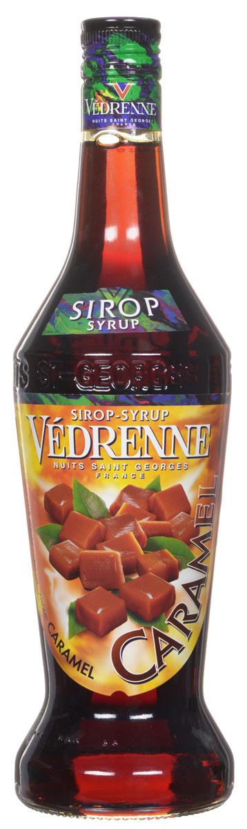 Vedrenne Карамель сироп, 0,7 лSVDRCE-010B01Сироп Карамель — это универсальная вкусовая добавка, использующаяся для ароматизации различных сладких блюд и напитков. Карамельный сироп традиционнопроизводится на основе сахара и очищенной питьевой воды, что делает его натуральным ароматизатором. У него красивый янтарный цвет и классический сладковатый букет с тонамикарамели и жженого сахара.Сиропы изготавливаются на основе натурального растительного сырья, фруктовых и ягодных соков прямого отжима, цитрусовых настоев, а также сиспользованием очищенной воды без вредных примесей, что позволяет выдержать все ценные и полезные свойства натуральных фруктово-ягодных плодов и трав. Всостав сиропов входит только натуральный сахар, произведенный по традиционной технологии из сахарозы. Благодаря высокому содержанию концентрированногофруктового сока, сиропы Vedrenne обладают изысканным ароматом и натуральным вкусом, являются эффективным подсластителем при незначительной калорийности. Они оптимизируют уровень влажности и процесс кристаллизации десертов, хорошо смешиваются с другими ингредиентами и способствуют улучшению вкусовых качеств напитков и десертов.Сиропы Vedrenne разливаются в стеклянные бутылки с яркими этикетками, на которых изображен фрукт, ягода или другой ингредиент, определяющий вкусовыеоттенки того или иного продукта Vedrenne. Емкости с сиропами Vedrenne герметичны и поэтому не позволяют содержимому контактировать с микроорганизмами и другимигубительными внешними воздействиями. Кроме того, стеклянные бутылки выглядят оригинально и стильно.В настоящее время компания Vedrenne считается одним из лучших производителей высококлассных сиропов, отличающихся натуральным вкусом, а также насыщенным ароматом и глубоким цветом. Фруктовые сиропы Vedrenne пользуются большой популярностью не только во Франции (где их широко используют как в сегменте HoReCa, так и в домашних условиях), но и экспортируются более чем в 50 стран мира.Цвет: медно-золотистыйАромат: интенсивный, теплый, сл