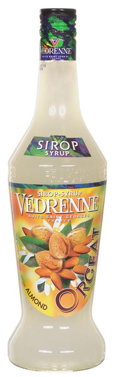 Vedrenne Миндаль сироп, 0,7 лSVDRFR-010B01Сироп Миндаль - это великолепный сладкий напиток и достойное дополнение к кофе!Сиропы изготавливаются на основе натурального растительного сырья, фруктовых и ягодных соков прямого отжима, цитрусовых настоев, а также с использованием очищенной воды без вредных примесей, что позволяет выдержать все ценные и полезные свойства натуральных фруктово-ягодных плодов и трав. В состав сиропов входит только натуральный сахар, произведенный по традиционной технологии из сахарозы. Благодаря высокому содержанию концентрированного фруктового сока, сиропы Vedrenne обладают изысканным ароматом и натуральным вкусом, являются эффективным подсластителем при незначительной калорийности. Они оптимизируют уровень влажности и процесс кристаллизации десертов, хорошо смешиваются с другими ингредиентами и способствуют улучшению вкусовых качеств напитков и десертов.Сиропы Vedrenne разливаются в стеклянные бутылки с яркими этикетками, на которых изображен фрукт, ягода или другой ингредиент, определяющий вкусовые оттенки того или иного продукта Vedrenne. Емкости с сиропами Vedrenne герметичны, поэтому не позволяют содержимому контактировать с микроорганизмами и другими губительными внешними воздействиями. Кроме того, стеклянные бутылки выглядят оригинально и стильно.В настоящее время компания Vedrenne считается одним из лучших производителей высококлассных сиропов, отличающихся натуральным вкусом, а также насыщенным ароматом и глубокимцветом. Фруктовые сиропы Vedrenne пользуются большой популярностью не только во Франции (где их широко используют как в сегменте HoReCa, так и в домашних условиях), но и экспортируются более чем в 50 стран мира.Цвет: соломенныйАромат: звучит теплыми, пряными нотами лесного орехаВкус: округлый, мягкий, сладкий, с нотами фундука в мёдеРецепт коктейля ЭдельвейсИнгредиенты:30 мл сиропа Vedrenne Миндаль;20 г облепихового варенья;30 г пюре ежевики;1 г перца чили;1 палочка корицы;100 мл воды;3 ежевики;3 гвоздики.Способ приготовлен