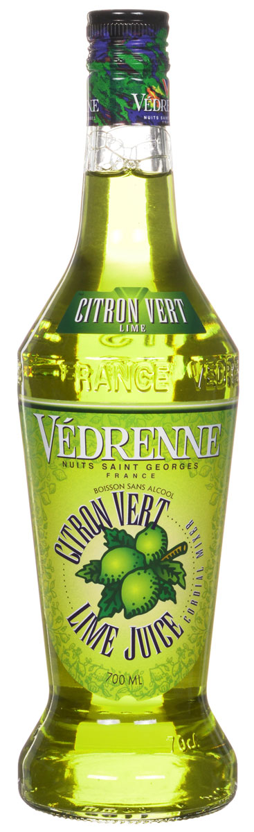 Vedrenne Лайм Джус сироп, 0,7 лSVDRMY-070B01Сироп Лайм Джус изготавливается из натурального сока лайма – небольшого цитрусового фрукта с желто-зеленой шкуркой, сочной кислой мякотью и терпким горьковатым привкусом.Сиропы изготавливаются на основе натурального растительного сырья, фруктовых и ягодных соков прямого отжима, цитрусовых настоев, а также с использованием очищенной воды без вредных примесей, что позволяет выдержать все ценные и полезные свойства натуральных фруктово-ягодных плодов и трав. В состав сиропов входит только натуральный сахар, произведенный по традиционной технологии из сахарозы. Благодаря высокому содержанию концентрированного фруктового сока, сиропы Vedrenne обладают изысканным ароматом и натуральным вкусом, являются эффективным подсластителем при незначительной калорийности. Они оптимизируют уровень влажности и процесс кристаллизации десертов, хорошо смешиваются с другими ингредиентами и способствуют улучшению вкусовых качеств напитков и десертов.Сиропы Vedrenne разливаются в стеклянные бутылки с яркими этикетками, на которых изображен фрукт, ягода или другой ингредиент, определяющий вкусовые оттенки того или иного продукта Vedrenne. Емкости с сиропами Vedrenne герметичны, поэтому не позволяют содержимому контактировать с микроорганизмами и другими губительными внешними воздействиями. Кроме того, стеклянные бутылки выглядят оригинально и стильно.В настоящее время компания Vedrenne считается одним из лучших производителей высококлассных сиропов, отличающихся натуральным вкусом, а также насыщенным ароматом и глубоким цветом. Фруктовые сиропы Vedrenne пользуются большой популярностью не только во Франции (где их широко используют как в сегменте HoReCa, так и в домашних условиях), но и экспортируются более чем в 50 стран мира.Цвет: золотисто-желтыйАромат: легкий, освежающий с ярко-выраженной кислинкойВкус: яркий, насыщенный, свежий, натуральный вкус сока лаймаРецепт коктейля Ананасовый КоблерИнгредиенты:10 мл сиропа Vedrenne Лайм Джус;20 мл анана
