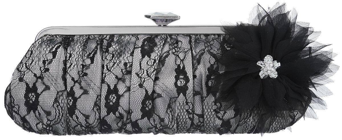 Клатч Fabretti, цвет: серый, черный. WL886523008Элегантный вечерний клатч Fabretti выполнен из полиэстера. Клатч оформлен кружевом и оригинальным цветком из полиэстера, который дополнен стразами.Изделие содержит одно отделение, закрывается на рамочный замок, дополненный граненым кристаллом. Клатч оснащен укороченным наплечным ремнем-цепочкой.Клатч Fabretti прекрасно завершит ваш праздничный образ.