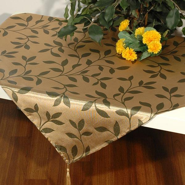 Скатерть Schaefer, квадратная, цвет: бежевый, темно-зеленый, 85x 85 см. 06468-100VT-1520(SR)Квадратная скатерть Schaefer выполнена из полиэстера с красивым растительным узором в виде листочков. Использование такой скатерти сделает застолье торжественным, поднимет настроение гостей и приятно удивит их вашим изысканным вкусом. Также вы можете использовать эту скатерть для повседневной трапезы, превратив каждый прием пищи в волшебный праздник и веселье. Это текстильное изделие станет изысканным украшением вашего дома!