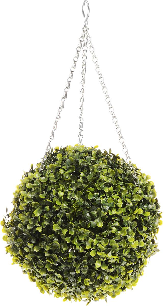 Искусственное растение Gardman Topiary Ball, с лампочками, цвет: зеленый, диаметр 26 смNN-612-LS-PLИскусственное растение Gardman Topiary Ball выполнено из пластика в виде шара. К растению прикреплены три цепочки с крючком, за который его можно повесить в любое место. Также растение можно поместить в горшок. Изделие украшено гирляндой с 20 светодиодными лампочками. Пуль управление питается от 3 батареек типа АА (не входят в комплект).Растение устойчиво к воздействиям внешней среды, таким как влажность, солнце, перепады температуры, не выцветает со временем. Искусственное растение Gardman Topiary Ball великолепно украсит интерьер офиса, дома или сада. Диаметр шара: 26 см.Длина цепочки: 34 см.