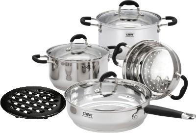 Набор кухонной посуды Calve, с подставкой, 8 предметов. CL-180954 009312Набор Calve состоит из 2 кастрюль, сковороды с крышками, чаши пароварки и бакелитовой подставки. Изделия изготовлены из высококачественной нержавеющей стали. Матовая полировка придает посуде безупречный внешний вид.Благодаря уникальной конструкции дна, тепло, проходя через металл, равномерно распределяется по стенкам посуды. Для приготовления пищи в такой посуде требуется минимальное количество масла, тем самым уменьшается риск потери витаминов и минералов в процессе термообработки продуктов. Крышки выполнены из жаростойкого прозрачного стекла и нержавеющей стали, оснащены ручкой и отверстием для выпуска пара. Такие крышки позволяют следить за процессом приготовления пищи без потери тепла. Они плотно прилегают к краю и сохраняют аромат блюд. Бакелитовая подставка позволит без опасения поставить кастрюлю на любую поверхность.Подходит для всех типов плит, включая индукционные. Можно мыть в посудомоечной машине.Объем кастрюль: 3,6 л и 2,7 лДиаметр кастрюль: 20 см и 18 см Объем сковороды: 3,5 л Диаметр сковороды: 24 см Диаметр чаши пароварки: 18 см
