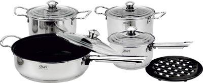 Набор кухонной посуды Calve, с подставкой, 9 предметов. CL-1828CL-1828Набор Calve состоит из 2 кастрюль, сковороды, сотейника с крышками и бакелитовой подставки. Изделия изготовлены из высококачественной нержавеющей стали. Матовая полировка придает посуде безупречный внешний вид.Благодаря уникальной конструкции дна, тепло, проходя через металл, равномерно распределяется по стенкам посуды. Для приготовления пищи в такой посуде требуется минимальное количество масла, тем самым уменьшается риск потери витаминов и минералов в процессе термообработки продуктов. Крышки выполнены из жаростойкого прозрачного стекла и нержавеющей стали, оснащены ручкой и отверстием для выпуска пара. Такие крышки позволяют следить за процессом приготовления пищи без потери тепла. Они плотно прилегают к краю и сохраняют аромат блюд. Бакелитовая подставка позволит без опасения поставить кастрюлю на любую поверхность.Подходит для всех типов плит, включая индукционные. Можно мыть в посудомоечной машине.Объем кастрюль: 3,9 л и 2,9 лДиаметр кастрюль: 20 см и 18 см Объем сковороды: 2,9 л Диаметр сковороды: 24 см Объем сотейника: 2 л Диаметр сотейника: 16 см