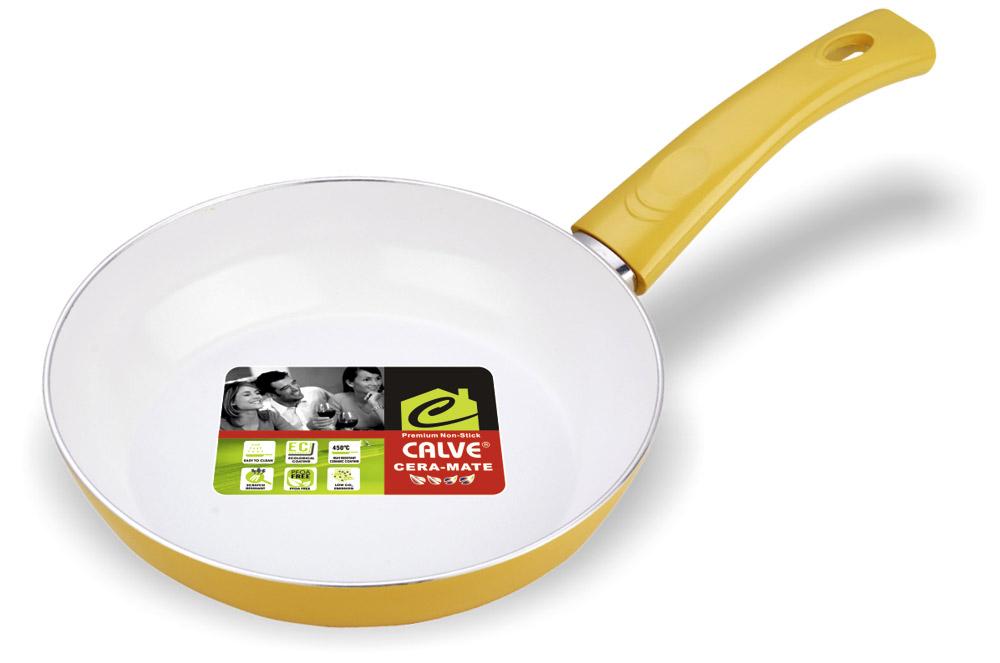 Сковорода Calve, с керамическим покрытием, цвет: желтый. Диаметр 26 см68/5/4Сковорода Calve выполнена из высококачественного алюминия с керамическим покрытием, благодаря чему пища не пригорает и не прилипает во время готовки. А также изделие имеет внешнее элегантное жаростойкое покрытие. Сковорода оснащена удобной бакелитовой ручкой с отверстием для подвешивания. Подходит для всех типов плит, кроме индукционных. Можно мыть в посудомоечной машине. Диаметр сковороды (по верхнему краю): 26 см. Высота стенки: 5,7 см. Длина ручки: 19 см. Диаметр основания: 19 см. Толщина стенок: 2,5 мм. Толщина дна: 4 мм.