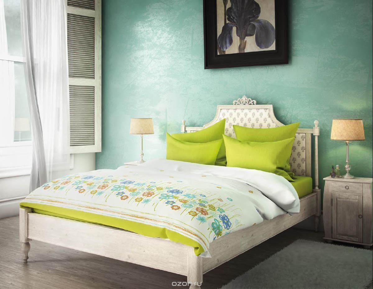 Комплект белья Волшебная ночь Французское утро, 1,5-спальный, наволочки 50х70 и 40х40, цвет: зеленый, белый, голубой. 18840568/5/3Комплект белья Волшебная ночь Французское утро состоит из пододеяльника, простыни, двух наволочек на спальные подушки и одной наволочки на подушку-думочку. Комплект выполнен из сатина - плотной ткани с мягким грифом. Изделия оформлены красивым рисунком в стиле прованс, который сделает спальню модной и стильной. Сатин - это натуральная ткань, которая производится из хлопкового волокна. Полотно этого материала весьма приятное на ощупь. Кроме этого, его отличие состоит в своеобразном блеске. Сатин обладает высокой прочностью и стойкостью к выцветанию, выдерживает большое количество стирок. Рекомендации по уходу: - Машинная и ручная стирка при температуре 60°C,- Не отбеливать, - Гладить при высокой температуре, - Сушить в стиральной машине при средней температуре, - Химчистка запрещена.