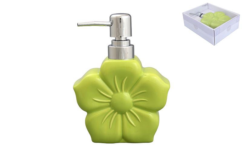 Дозатор Elan Gallery Цветок, цвет: салатовый, 400 мл391602Диспенсер для жидкого мыла Elan Gallery Цветок, изготовленный из высококачественной керамики, имеет оригинальную форму. Диспенсер снабжен губкой для мытья посуды и дозатором. Дозатор выполнен из пластика под хром. Он очень удобен и прост в использовании: просто нажмите на него и выдавите необходимое количество средства. Диспансер подходит для жидкого мыла, моющего средства для мытья посуды, различных лосьонов.Такой диспансер дополнит интерьер кухни или ванной комнаты и станет замечательным приобретением для любой хозяйки. Размер диспенсера (с учетом дозатора): 12 см х 5,5 см х 16,2 см.