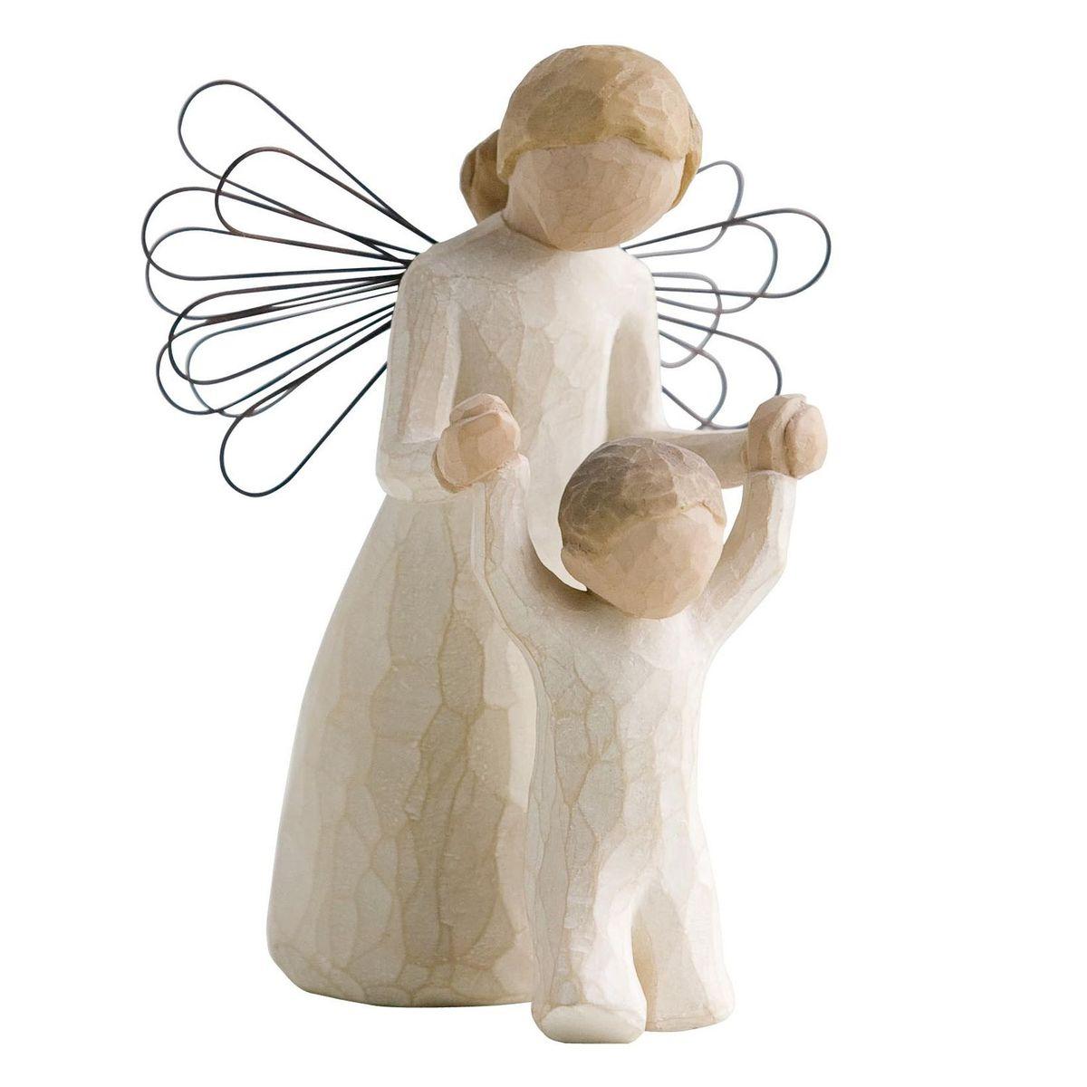 Фигурка декоративная Willow Tree Ангел-хранитель, высота 13 смNLED-420-1.5W-RДекоративная фигурка Willow Tree создана канадским скульптором Сьюзан Лорди. Фигурка выполнена из искусственного камня (49% карбонат кальция мелкозернистой разновидности, 51% искусственный камень).Фигурка Willow Tree – это настоящее произведение искусства, образная скульптура в миниатюре, изображающая эмоции и чувства, которые помогают чувствовать себя ближе к другим, верить в мечту, выражать любовь.Фигурка помещена в красивую упаковку.Купить такой оригинальный подарок, значит не только украсить интерьер помещения или жилой комнаты, но выразить свое глубокое отношение к любимому человеку. Этот прекрасный сувенир будет лучшим подарком на день ангела, именины, день рождения, юбилей.