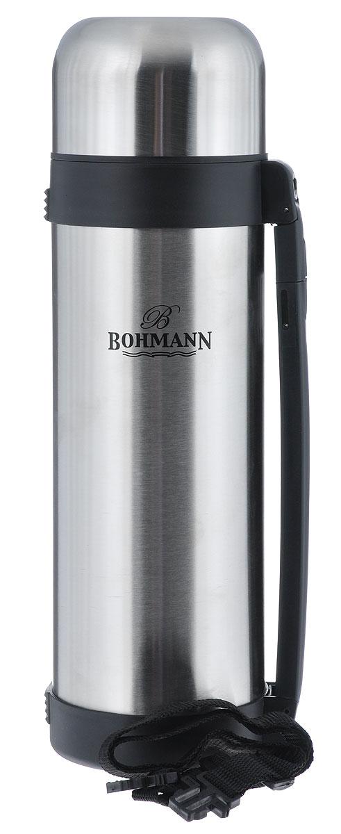 Термос Bohmann, 1,8 л. 4218BH/б/чех115510Дорожный термос Bohmann выполнен из нержавеющей стали с матовой полировкой. Двойные стенки сохраняют температуру до 24 часов. Внутренняя колба выполнена из высококачественной нержавеющей стали. Термос имеет вакуумную прослойку между внутренней колбой и внешней стенкой. Специальная термоизоляционная прокладка удерживает тепло. Термос снабжен плотно прилегающей закручивающейся пластиковой пробкой с нажимным клапаном и укомплектован теплоизолированной крышкой из нержавеющей стали и пластиковой чашкой. Для того чтобы налить содержимое термоса нет необходимости откручивать пробку. Достаточно надавить на клапан, расположенный в центре. Изделие оснащено эргономичной ручкой и съемным ремнем для удобной переноски.Легкий и удобный, термос Bohmann станет незаменимым спутником в ваших поездках.Размер термоса (с учетом крышки): 10,5 см х 11 см х 35,5 см.Диаметр крышки (по верхнему краю): 6 10,5 см.Диаметр чашки (по верхнему краю): 9,5 см.Ширина ремня: 2 см.Длина ремня: 82 см.