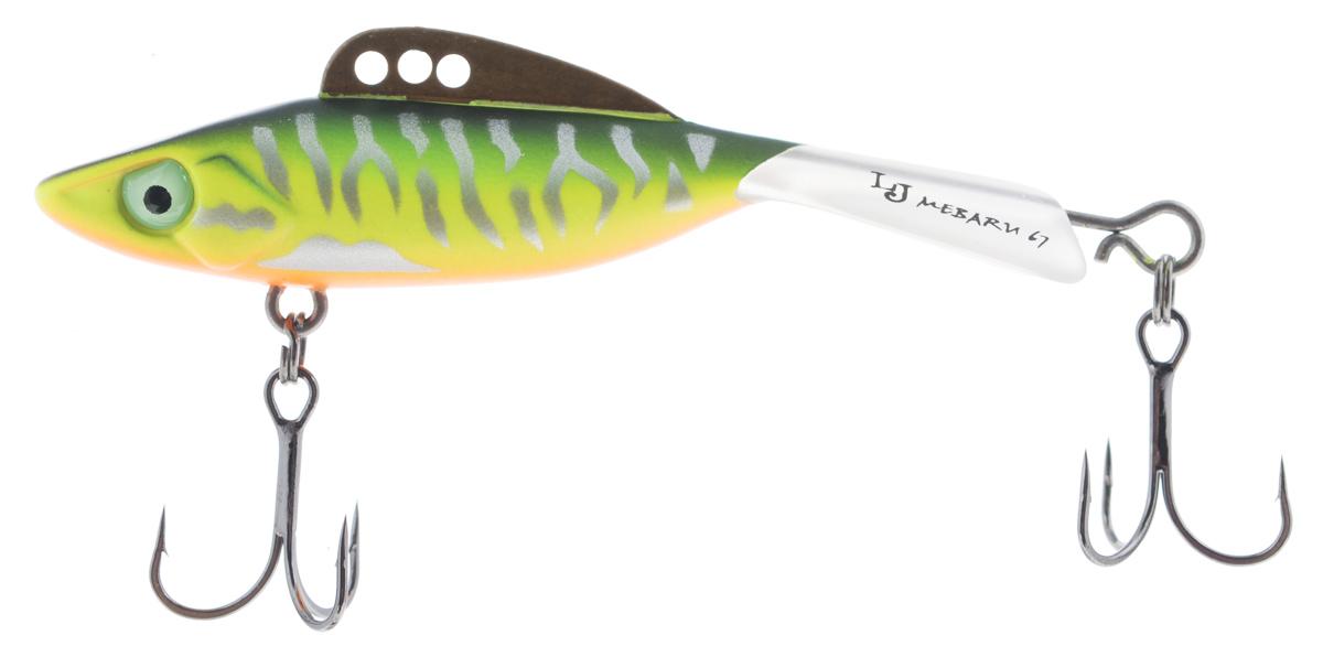 Балансир Lucky John Mebaru, цвет: зеленый, желтый, оранжевый, 6,7 см, 18 гPGPS7797CIS08GBNVLucky John Mebaru - балансир, разработанный в Японии, для ловли хищной рыбы со льда и в отвес с дрейфующей лодки. Приманка изготовлена из свинцового сплава с корпусом и хвостом, сформированными из цельного морозостойкого и ударопрочного пластика ABS. Длинный хвост обеспечивает четкие развороты приманки в крайних точках траектории движения. В спинном плавнике, изготовленном из латуни, имеется три отверстия. В зависимости от точки крепления, игра приманки изменяется. На приманке установлены крючки Owner.Рекомендуется для ловли судака, щуки, форели и окуня.