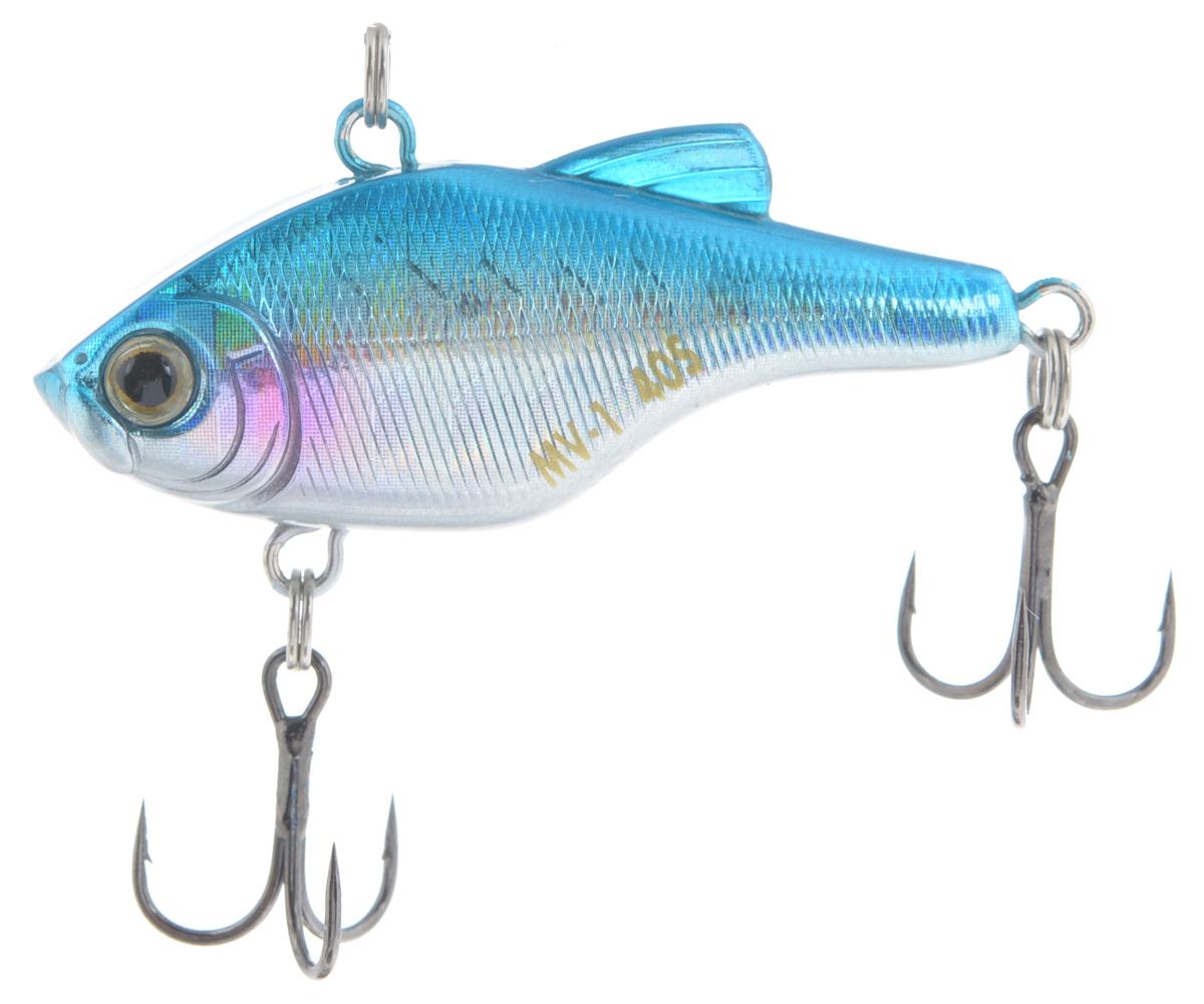 Воблер Maria MV-1 Vibration 40, тонущий, цвет: голубой, серебряный, 4 см, 4,8 гLJME67-105Пластиковый раттлин Maria MV-1 Vibration 40 обладает рядом качеств, с которыми не могут соперничать металлические. Область применения данного воблера практически такая же, как у глубоководного крэнка. Фактически, его можно назвать безлопастным крэнком. Способность ловить рыбу как на глубине, так и в мелких местах делает Maria MV-1 Vibration 40 универсальной приманкой. Ведите его с паузами или дайте ему опуститься на дно и используйте проводку с подергиванием. Дальнобойность и неотразимая игра делают его идеальной поисковой приманкой.Глубина: 3 м.