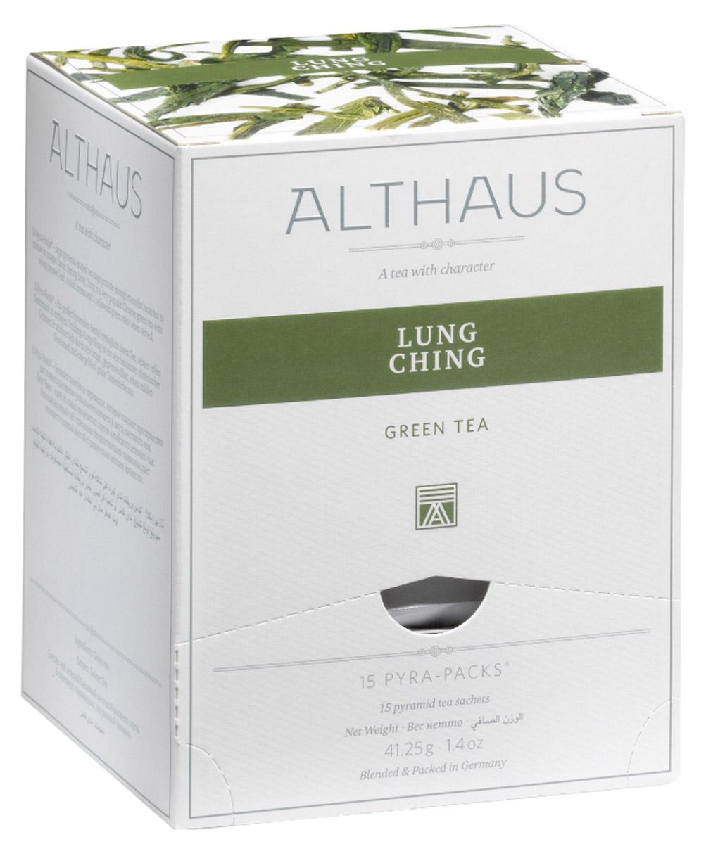 Althaus Lung Ching чай зеленый в пирамидках, 15 штTALTHB-DP0025Чай Althaus Lung Ching радует глаз теплыми желтоватыми переливами. Сухой лист рождает соблазнительную сладко-табачную нотку, в которой чувствуется свежесть весенних чайных почек, мягкие ореховые полутона и благоухание фруктового сада. В заваренном чае палитра ароматов становится еще сложнее, в ней появляется легкая сливочность и едва заметная цветочность. Во вкусе травянистая доминанта смягчается жареными ореховыми оттенками и подчеркивается практически неуловимой, нежной сладостью лакрицы.Pyra-Pack - это коллекция из 13 купажей, в которую вошли лучшие сорта высококачественного листового чая, а также отборные смеси из цельных кусочков фруктов, ягод, цветочных лепестков, целебных трав. Pyra-Pack представляет собой инновационный вариант высокотехнологичной упаковки - нейлоновые пирамидки: Пакетики в форме пирамидок создают пространство для свободного распределения чаинок, тем самым повышая степень и скорость экстракции чая. Нейлон обладает отличной пропускной способностью, поэтому чай, заваренный в нейлоновых пирамидках, получается особо насыщенным по вкусу и ароматным. Пирамидки максимально упрощают процедуру заваривания чая, при этом сохраняя эстетический эффект традиционного чаепития.