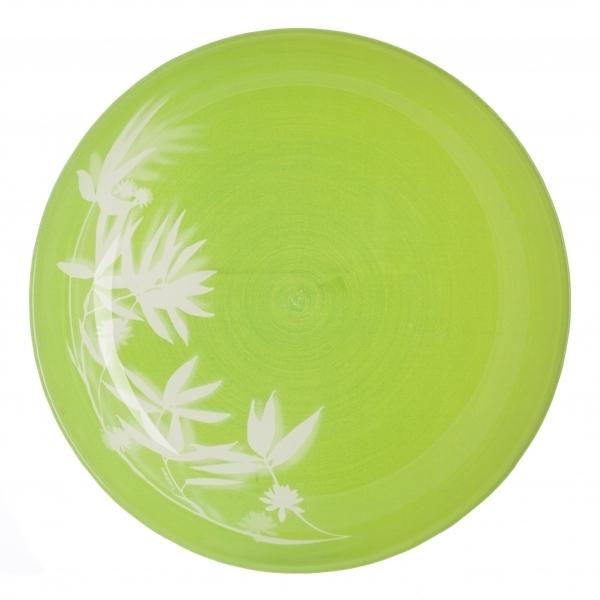 Тарелка глубокая Luminarc Darjeeling Green, диаметр 20 см115510Глубокая тарелка Luminarc Darjeeling Green выполнена из ударопрочного стекла и украшена изображением цветов. Она прекрасно впишется в интерьер вашей кухни и станет достойным дополнением к кухонному инвентарю. Тарелка Luminarc Darjeeling Green подчеркнет прекрасный вкус хозяйки и станет отличным подарком. Диаметр тарелки (по верхнему краю): 20 см.