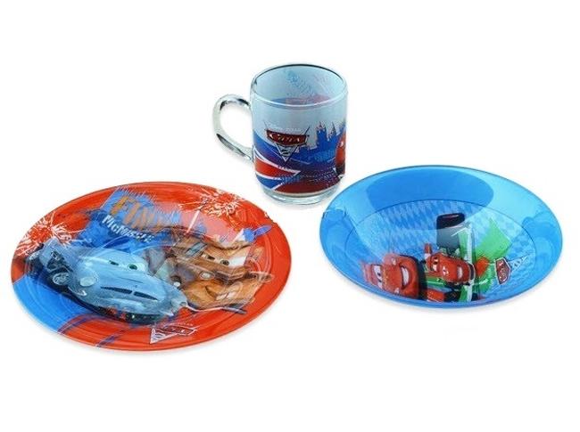 Luminarc Набор детской посуды Disney Cars 2 J2036J2036Набор детской посуды Luminarc Disney Cars 2 - состоит из тарелки десертной диаметром 195 мм, салатника диаметром 165 мм и чашки объемом 250 мл. Изготовлен из экологически чистого материала - термостойкого ударопрочного стекла, можно использовать в микроволновке, мыть в посудомоечной машине.