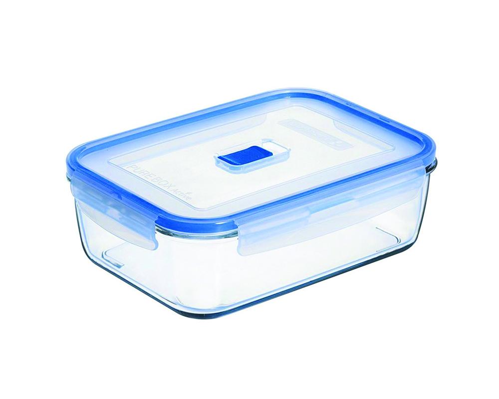 Контейнер Luminarc Pure Box Active, 1,97 лFA-5125 WhiteПрямоугольный контейнер Luminarc Pure Box Active изготовлен из жаропрочного закаленного стекла и предназначен для хранения любых пищевых продуктов. Благодаря особым технологиям изготовления, лотки в течение времени службы не меняют цвет и не пропитываются запахами. Пластиковая крышка герметично защелкивается специальным механизмом. Контейнер Luminarc Pure Box Active удобен для ежедневного использования в быту.Можно мыть в посудомоечной машине и использовать в СВЧ.Высота: 6,5 см.Длина: 22,5 см.Ширина: 15,5 см.