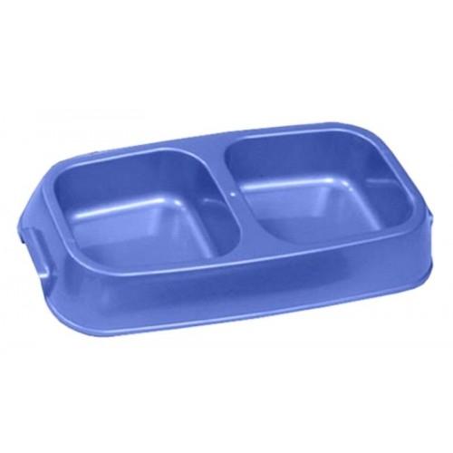 Миска для животных VanNess, двойная, цвет: голубой, 1,24 л0120710Двойная миска VanNess - это функциональный аксессуар для собак, кошек и грызунов. Изделие выполнено из высококачественного цветного пластика. В миску можно положить два разных блюда - в каждое отделение. Миска легко моется. Ваш любимец будет доволен!Объем одной емкости: 620 мл. Размер емкости (по верхнему краю): 12,2 см х 11,8 см. Размер основания емкости: 10 см х 10 см. Высота миски: 5,4 см.