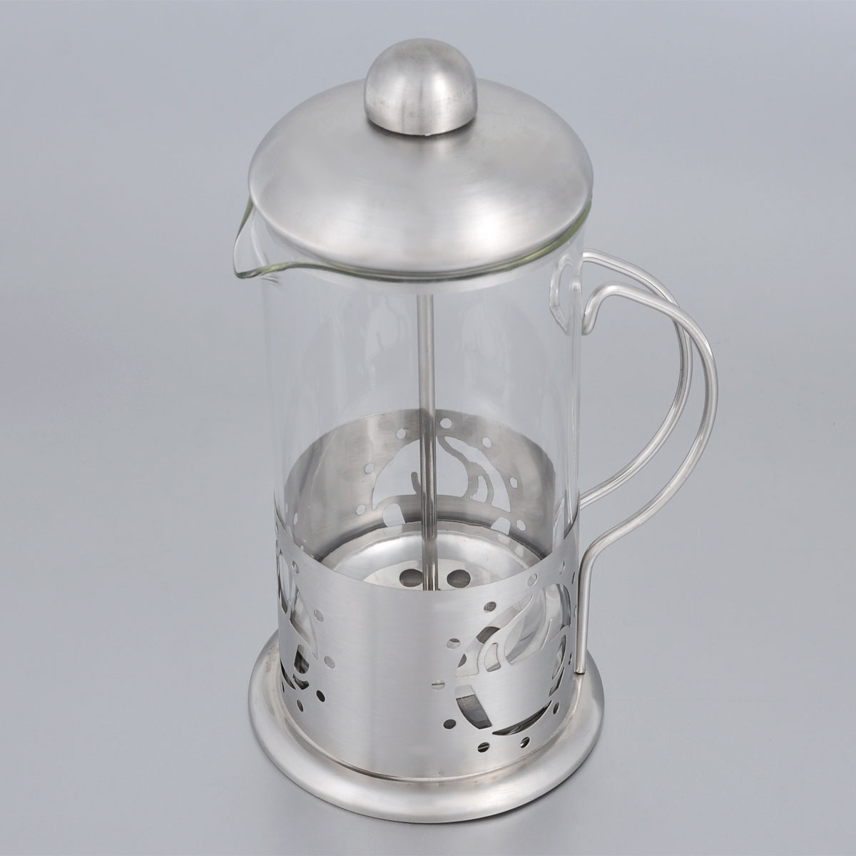 Френч-пресс Bohmann, 350 мл. 9535BH54 009312Френч-пресс Bohmann используется для заваривания крупнолистового чая, кофе среднего помола, травяных сборов. Изготовлен из высококачественной нержавеющей стали и термостойкого стекла, выдерживающего высокую температуру, что придает ему надежность и долговечность. Френч-пресс Bohmann незаменим для любителей чая и кофе.Можно мыть в посудомоечной машине.Объем: 350 мл.Высота (с учетом крышки): 18 см.Диаметр (по верхнему краю): 7,5 см.